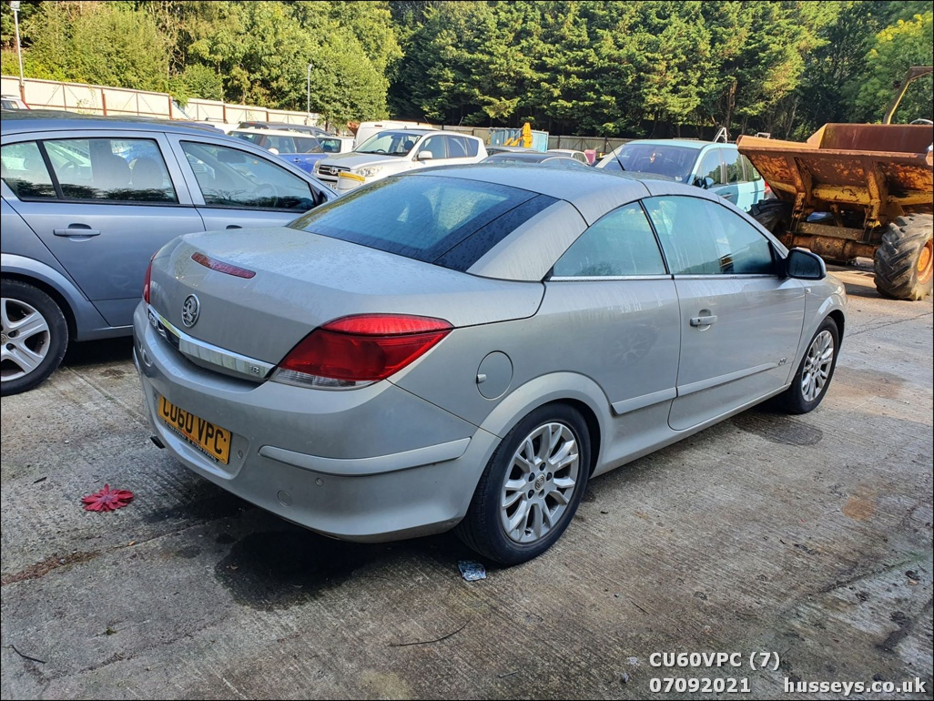 11/60 VAUXHALL ASTRA SPORT - 1796cc 2dr Convertible (Silver, 123k) - Image 7 of 12