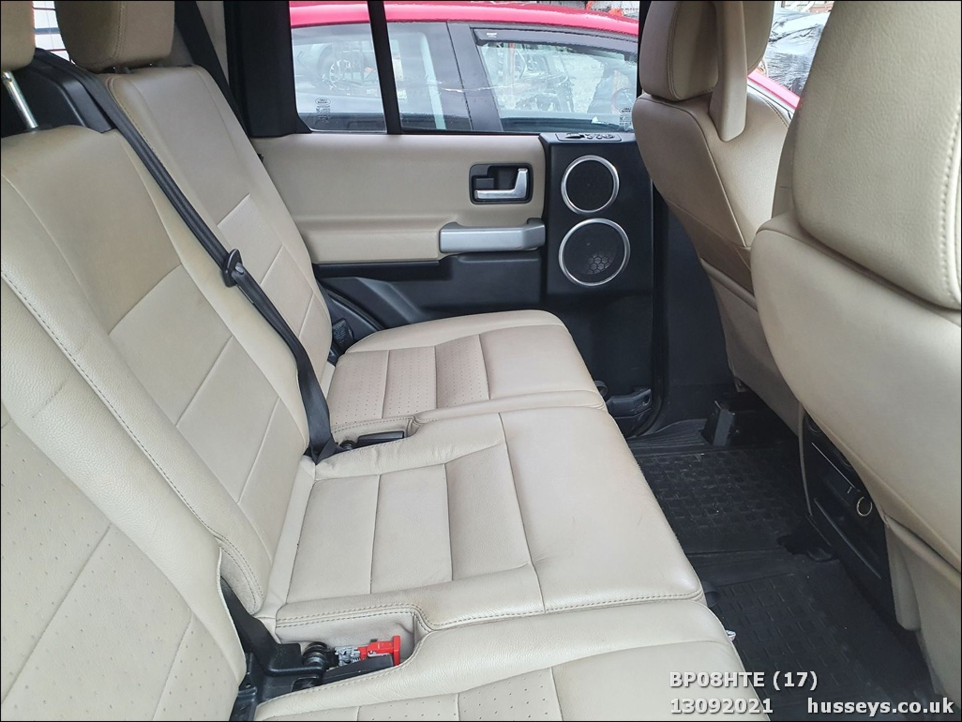 08/08 LAND ROVER DISCOVERY TDV6 SE A - 2720cc 5dr Estate (Brown, 190k) - Image 17 of 18