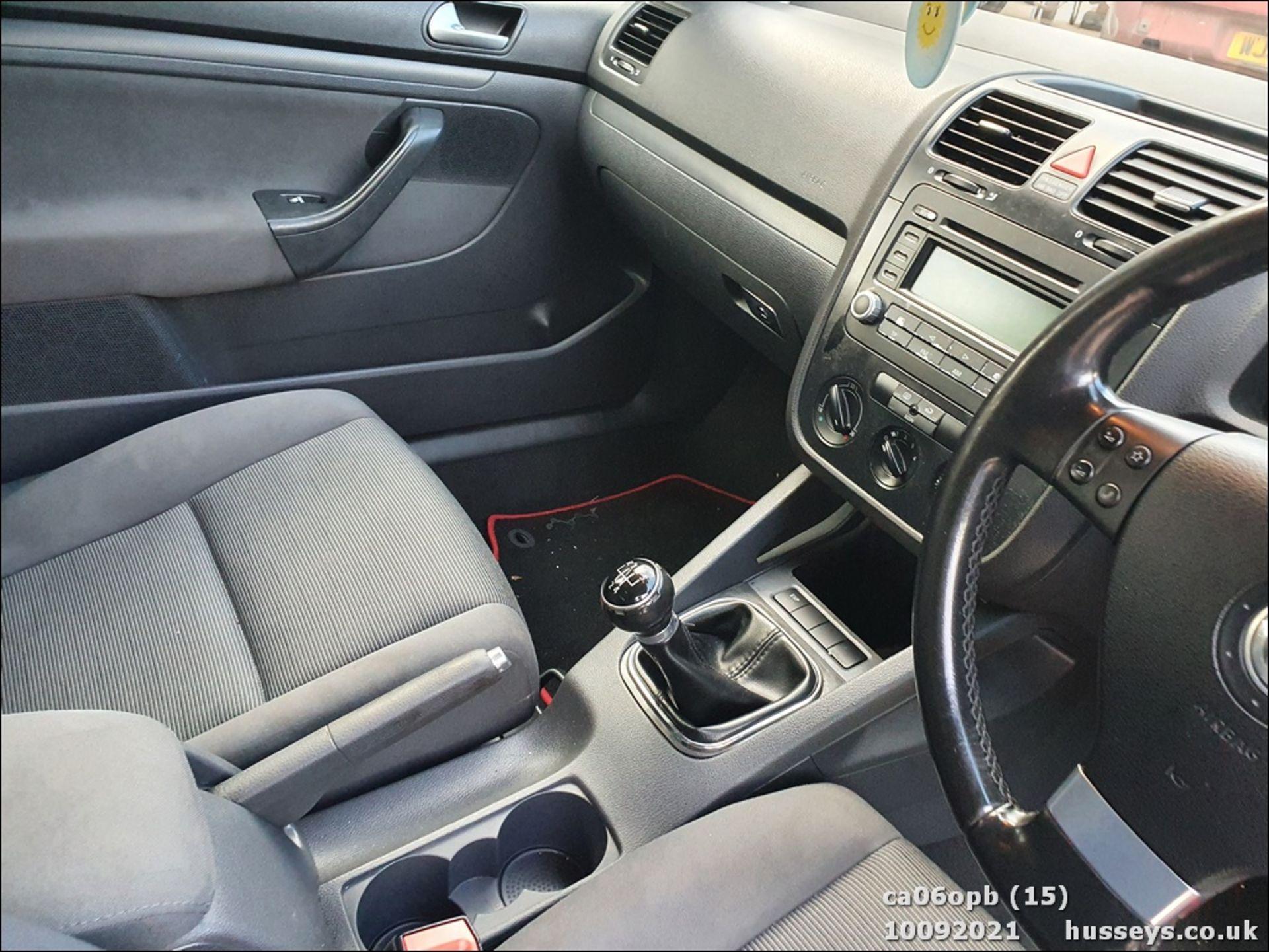 06/06 VOLKSWAGEN GOLF S - 1390cc 3dr Hatchback (Red, 131k) - Image 15 of 18