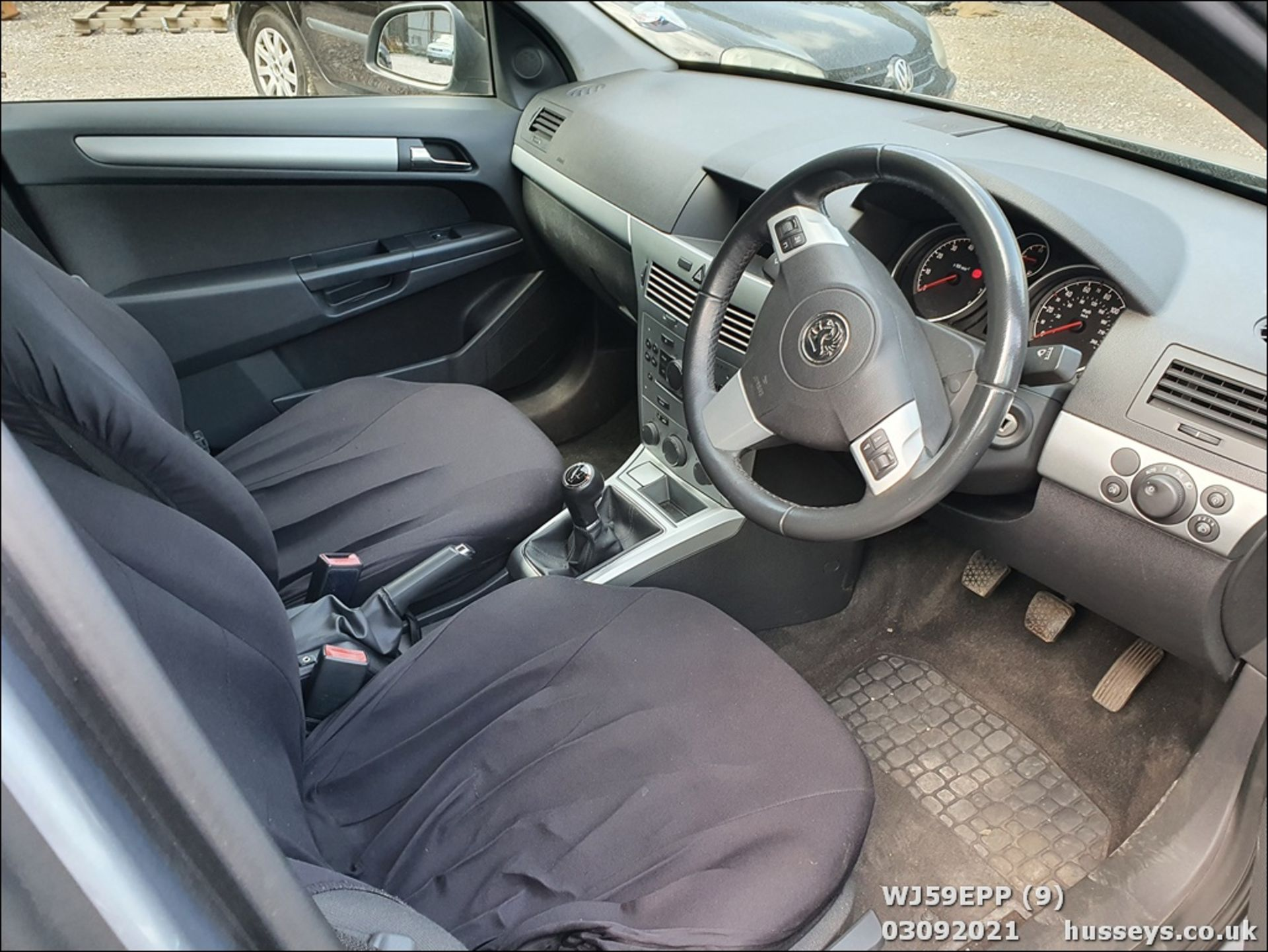 09/59 VAUXHALL ASTRA ACTIVE - 1364cc 5dr Hatchback (Silver, 101k) - Image 9 of 12