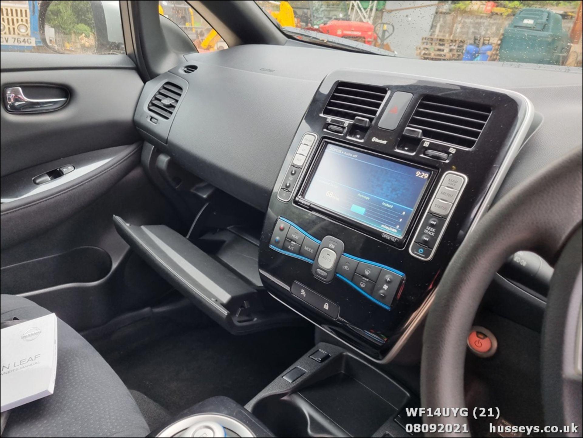 14/14 NISSAN LEAF ACENTA 5dr Hatchback (Silver, 19k) - Image 21 of 26