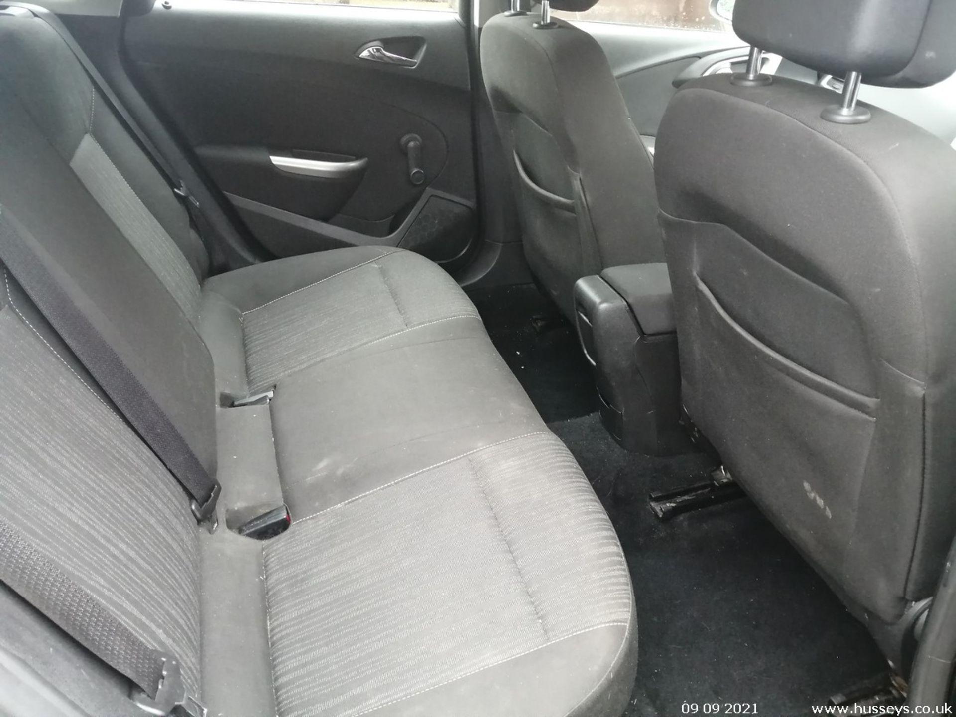 11/60 VAUXHALL ASTRA EXCLUSIV 98 - 1398cc 5dr Hatchback (Black, 124k) - Image 11 of 11
