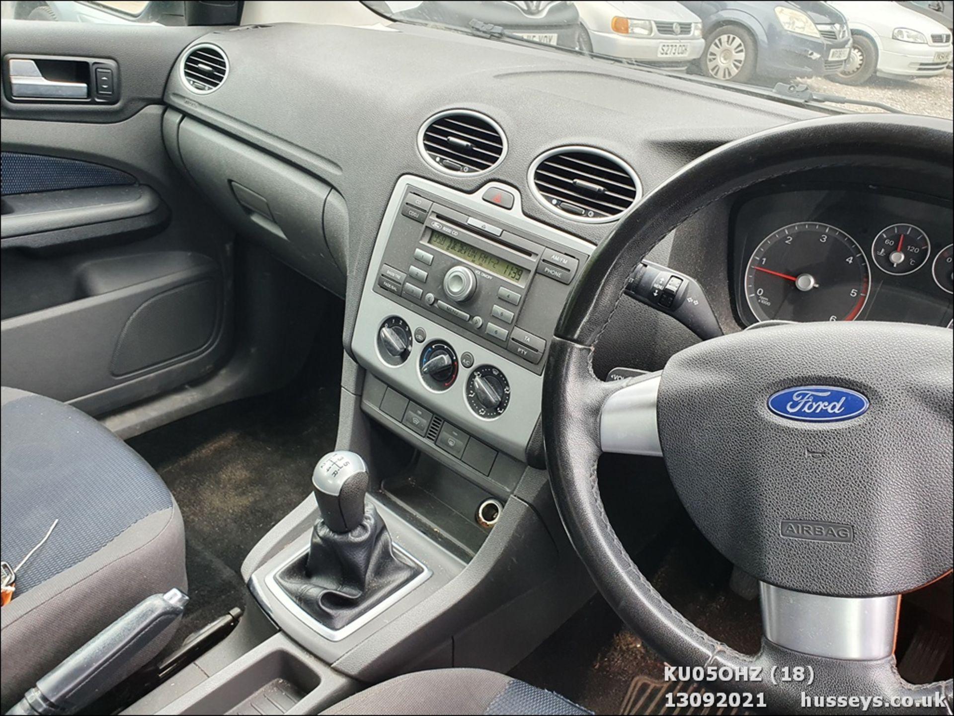 05/05 FORD FOCUS ZETEC CLIMATE TDCI - 1560cc 5dr Hatchback (Silver, 147k) - Image 18 of 18