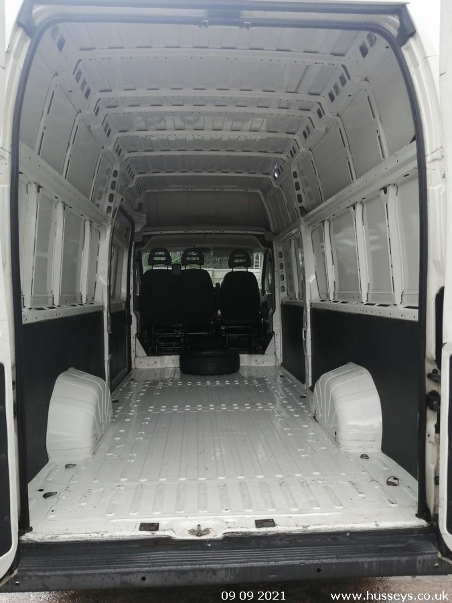 11/61 FIAT DUCATO 35 MAXI160 M-J LWB - 2999cc 5dr Van (White, 108k) - Image 10 of 12