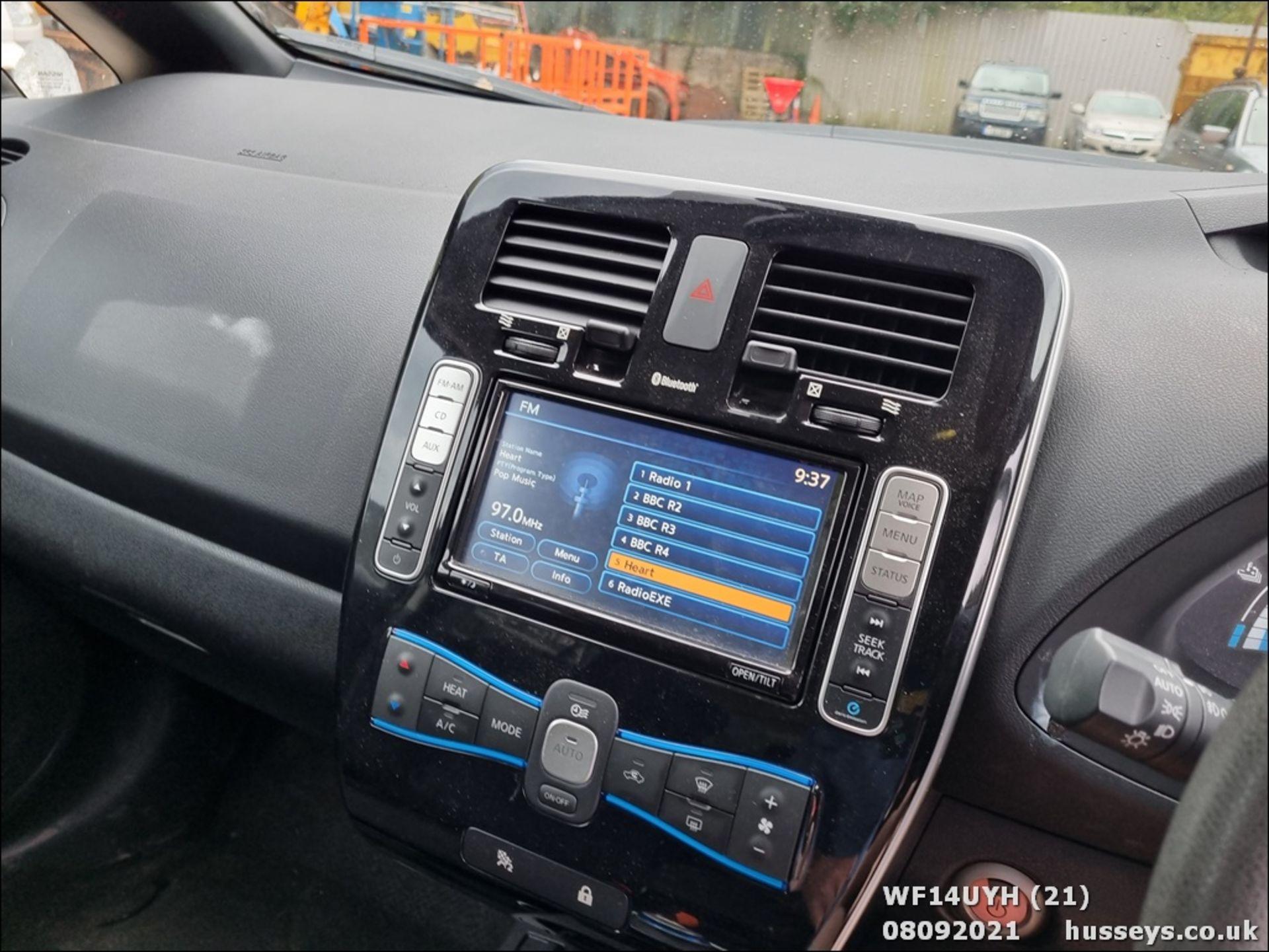 14/14 NISSAN LEAF ACENTA 5dr Hatchback (Silver, 18k) - Image 21 of 23