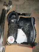 PAIR OF SAFETY BOOTS