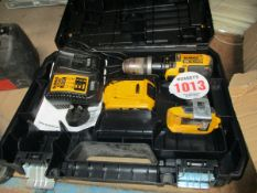 CORDLESS DEWALT DRILL C/W CHARGER & BATTERY