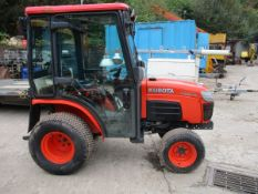 KUBOTA B2230 CABBED COMPACT TRACTOR 858HRS SN59EXF LAST OWNER WAS A LOCAL COUNCIL NO V5