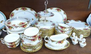 Royal Albert Old Country Roses dinnerwares, eleven dinner plates, sixteen side plates, six soup