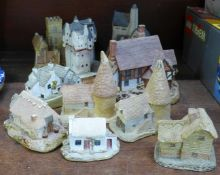 A collection of cottage ornaments, seven David Winter, nine Lilliput Lane and two others, (small