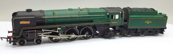 A Hornby Railways 4-6-2 Class 7 'Britannia' loco and tender, box a/f