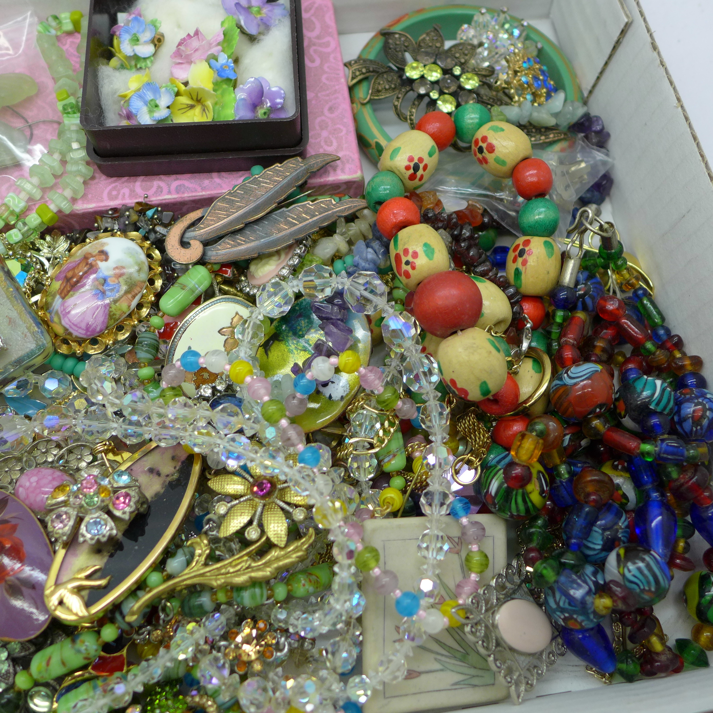 Glass and crystal bead necklaces, earrings, brooches and other costume jewellery - Image 3 of 3