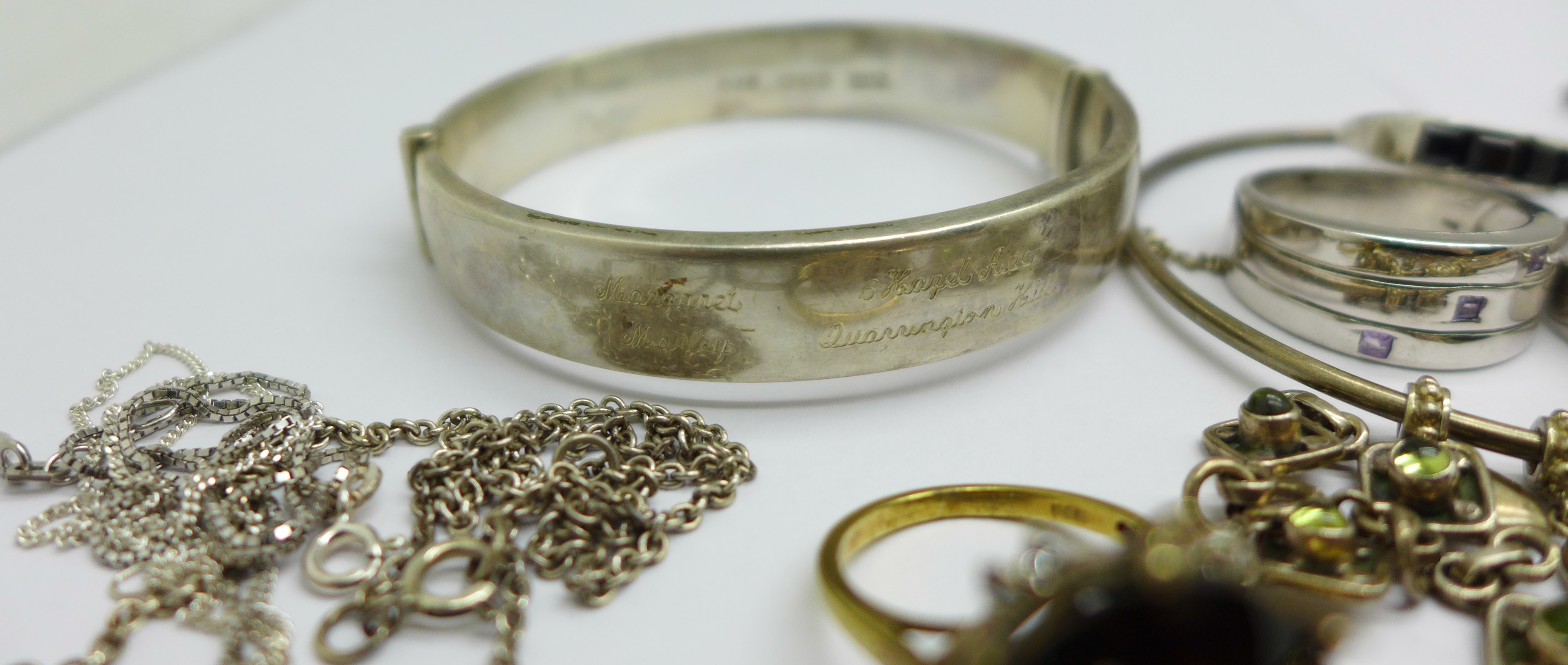 Silver jewellery including a hallmarked bangle, an elephant bracelet and a Thomas Sabo neck chain, - Image 3 of 5