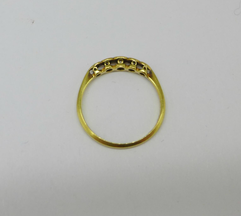 An 18ct gold, platinum set five stone diamond ring, 1.7g, O - Image 3 of 3