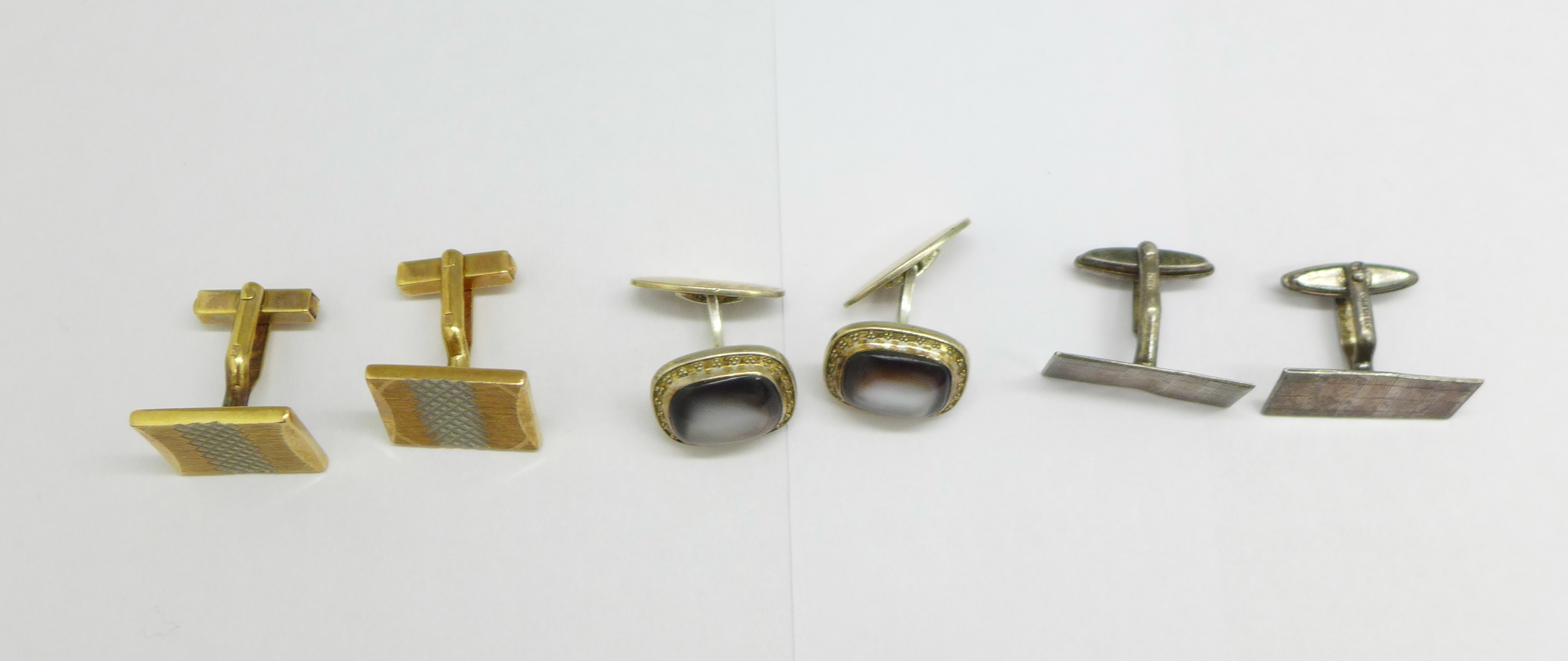 Two pairs of silver cufflinks and one other - Image 2 of 2