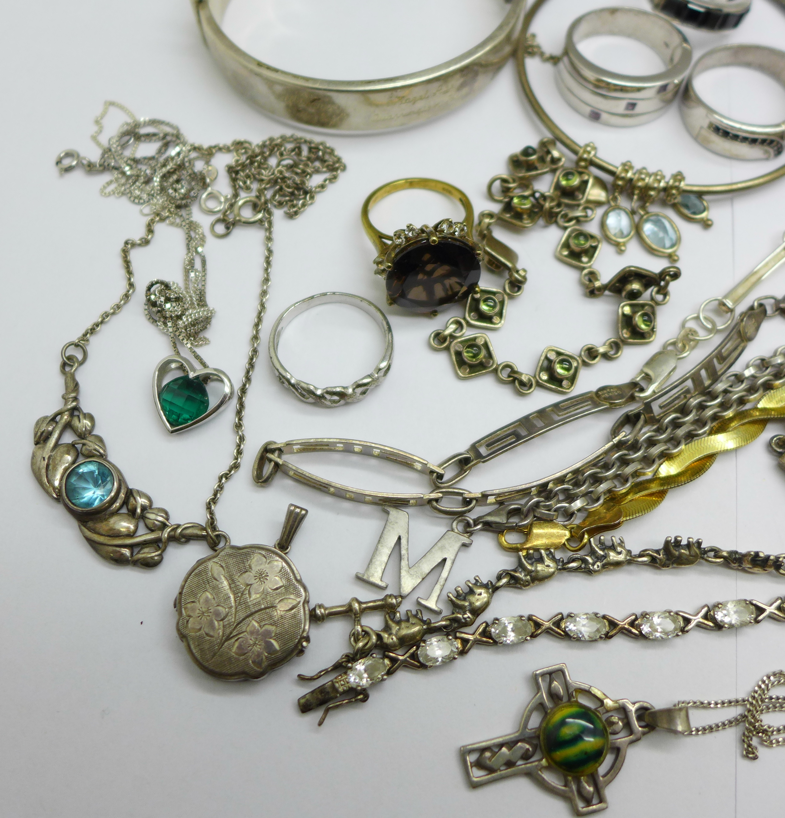 Silver jewellery including a hallmarked bangle, an elephant bracelet and a Thomas Sabo neck chain, - Image 2 of 5