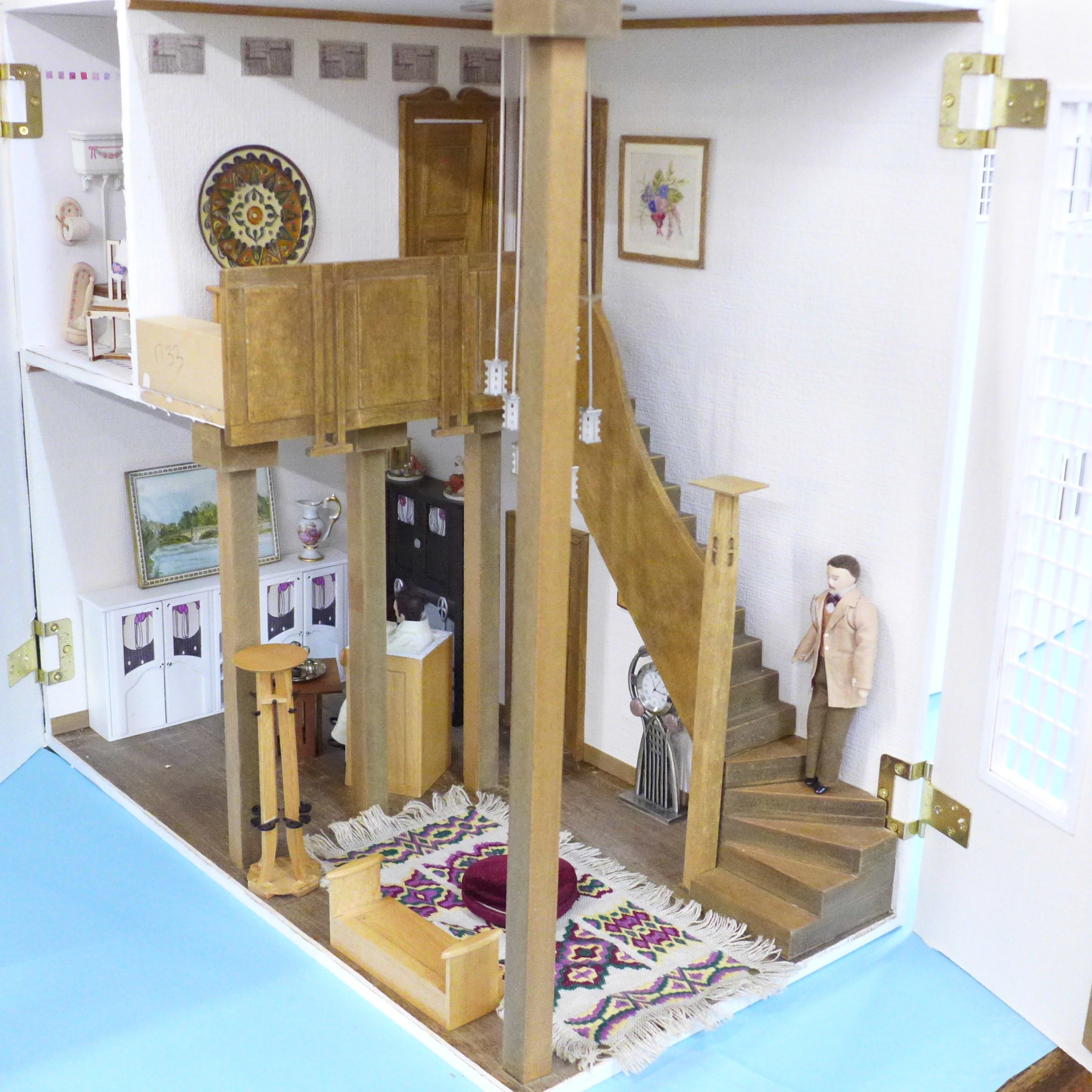 A Dolls House Emporiun Charles Rennie Makintosh-style Scottish House and Furniture. Assembled from a - Image 5 of 18