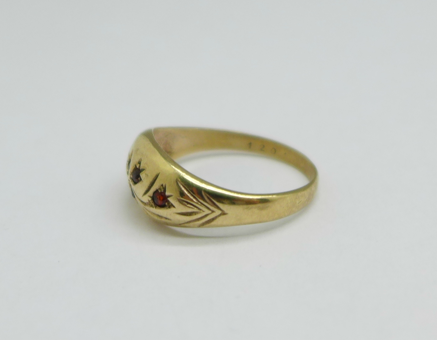 A 9ct gold and garnet ring, one stone missing, 2.8g, P - Image 2 of 3