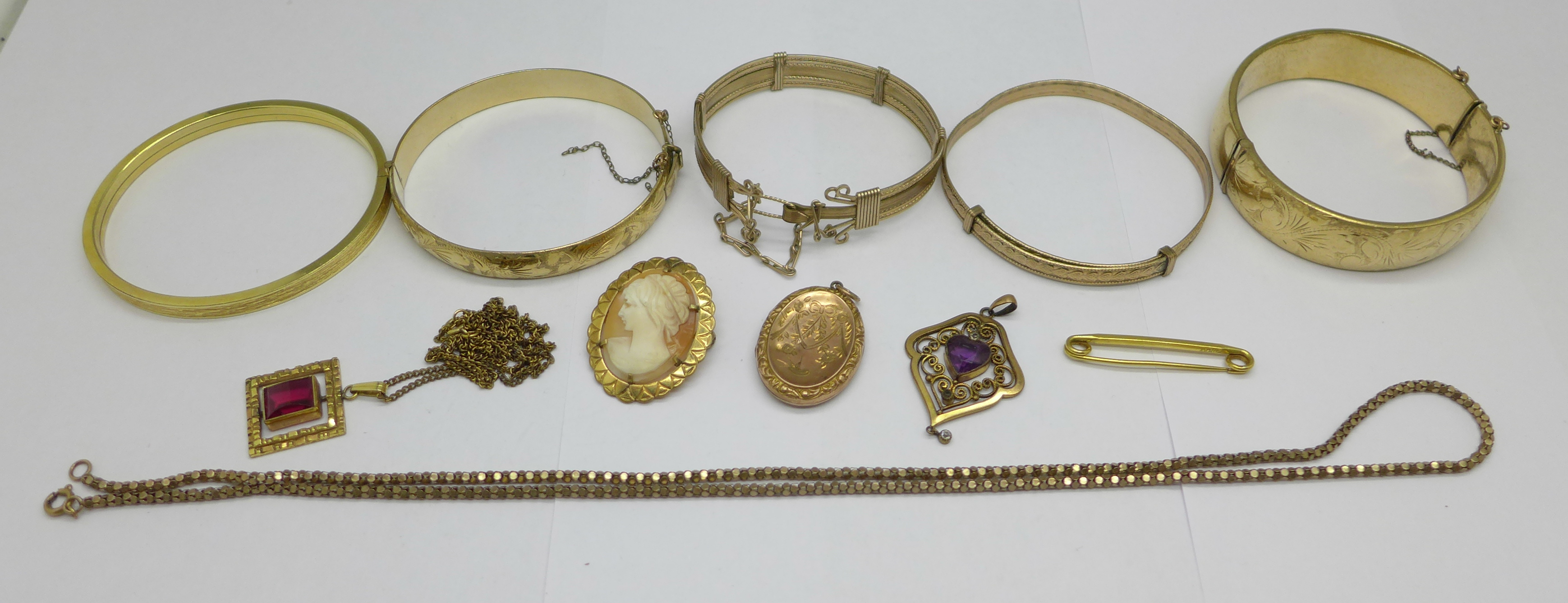 Plated jewellery including five bangles and a 9ct back & front locket