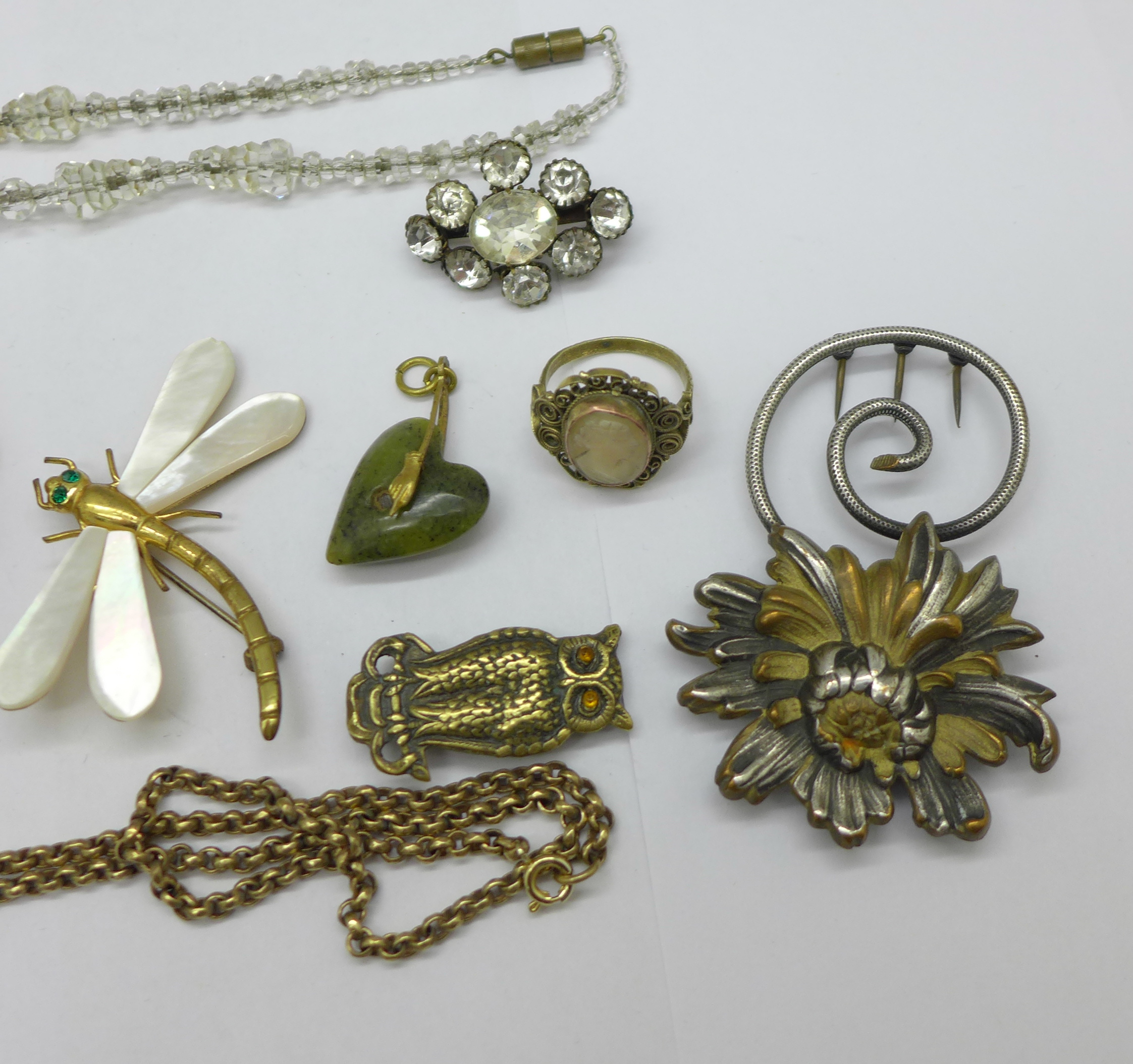 A collection of jewellery, Victorian swivel photograph locket, large cameo brooch, garnet love - Image 3 of 3