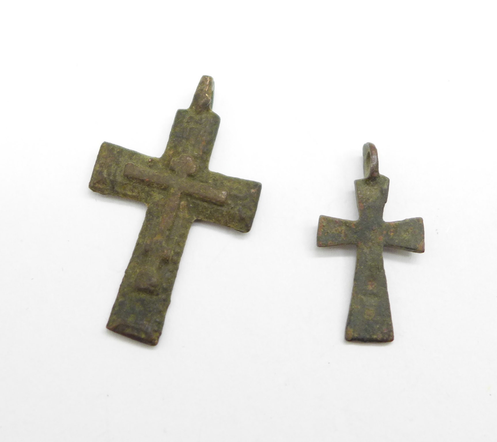 Two bronze Viking crosses, found in Russia - Image 2 of 2