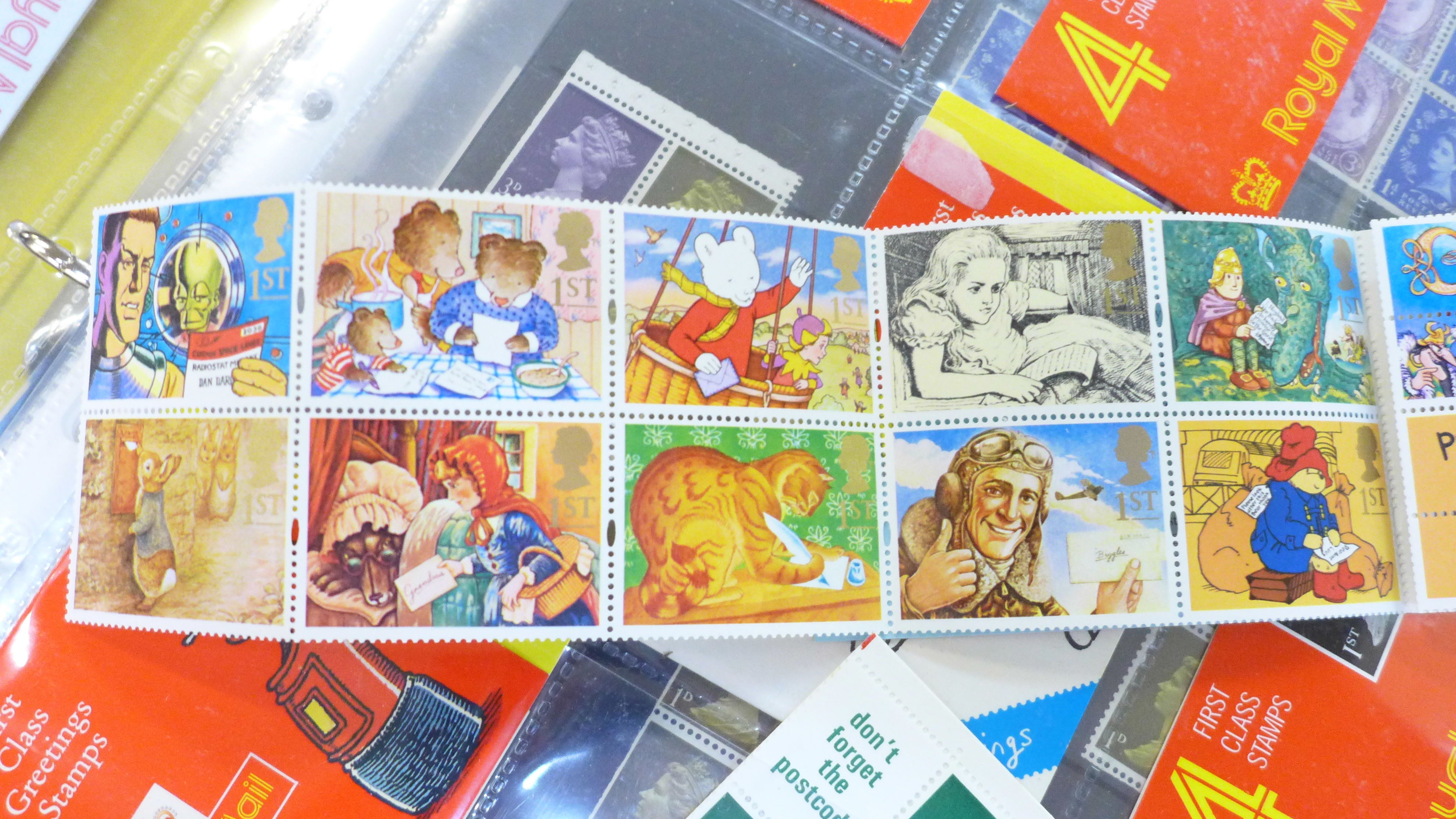 Great Britain booklets, booklet panes and booklet First Day covers - Face value exceeds £40 - Image 11 of 12