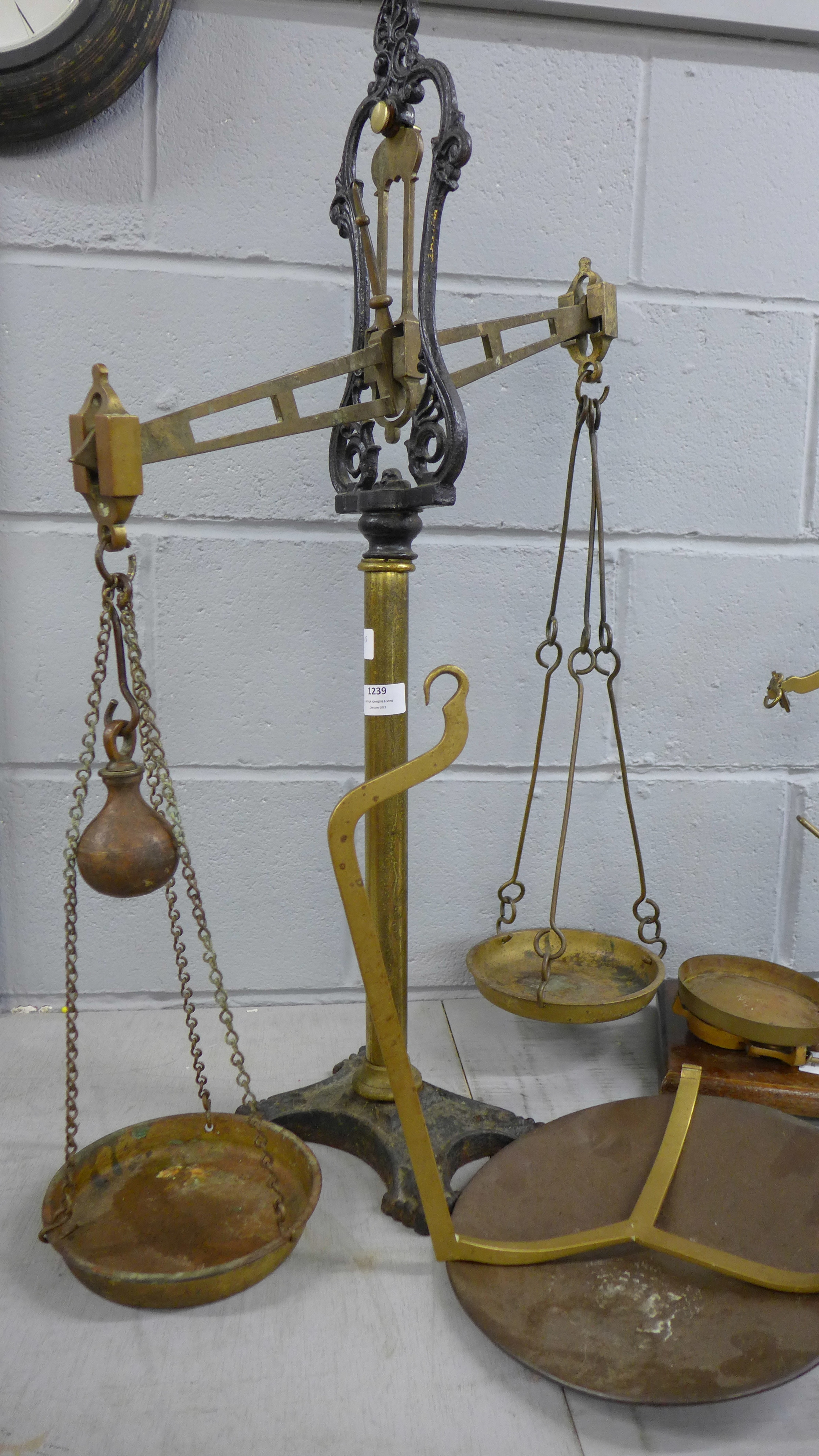 Class B brass and cast iron balance scales with spare arm and pan and another set **PLEASE NOTE THIS - Image 2 of 3