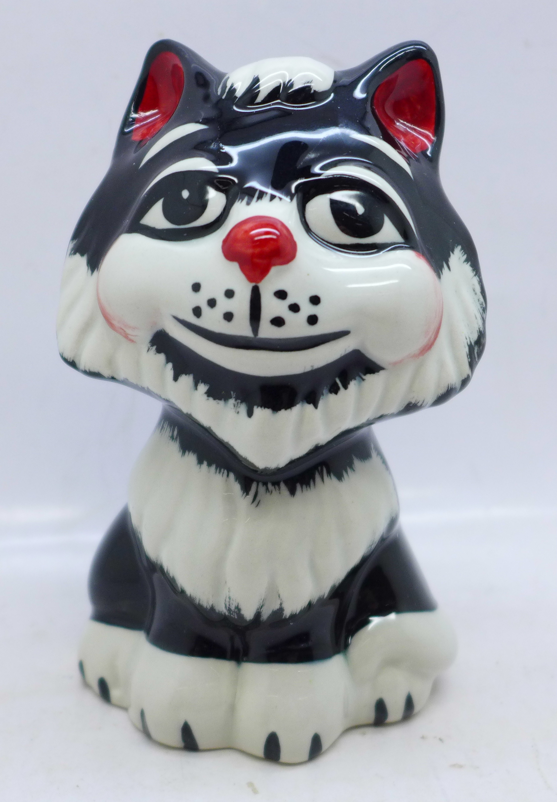 Lorna Bailey Pottery, 'Tex the Cat', signed on base, 12cm