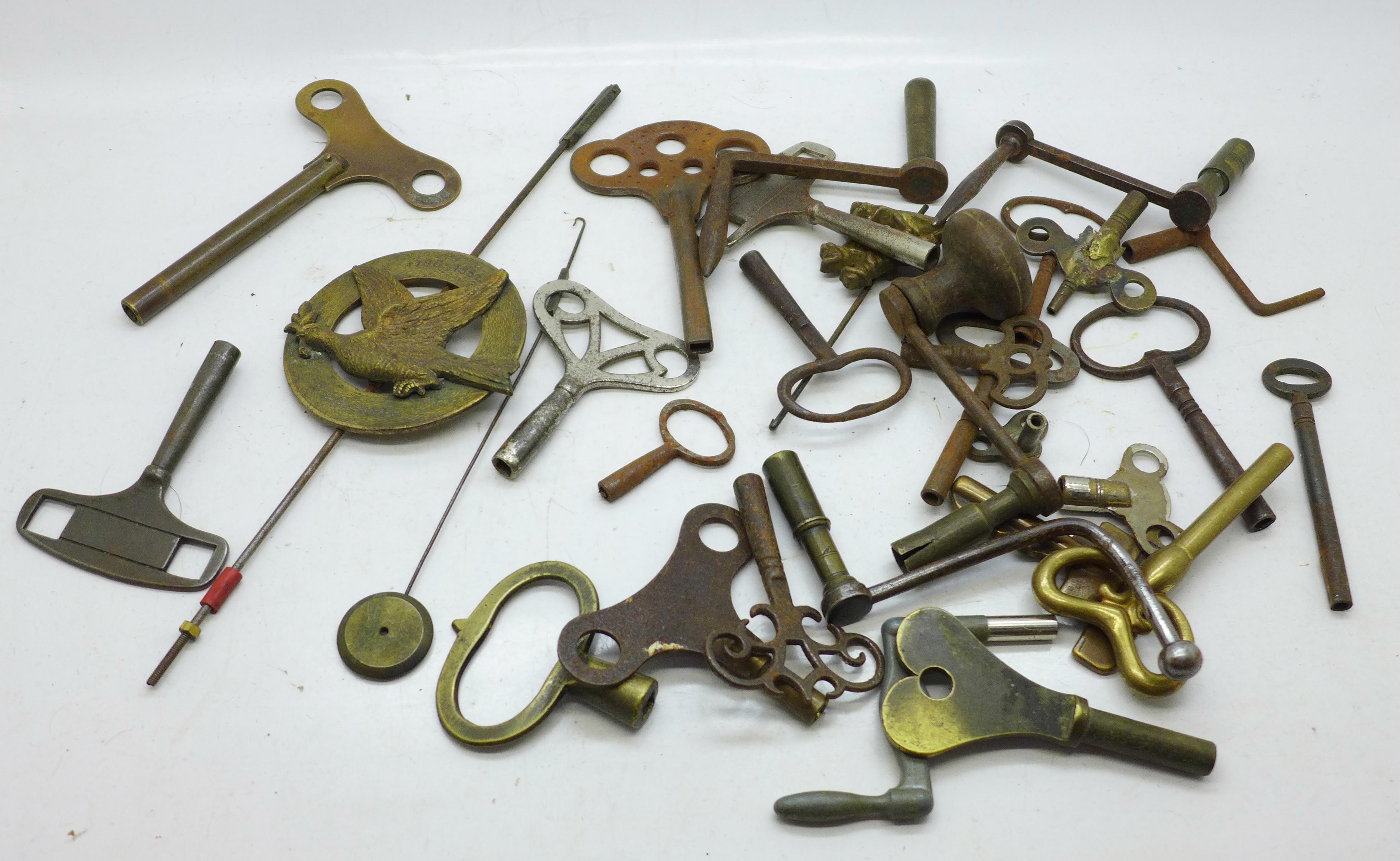 A quantity of clock keys