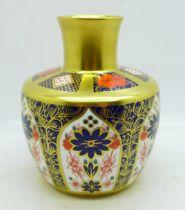 A small Royal Crown Derby Imari vase, 11cm