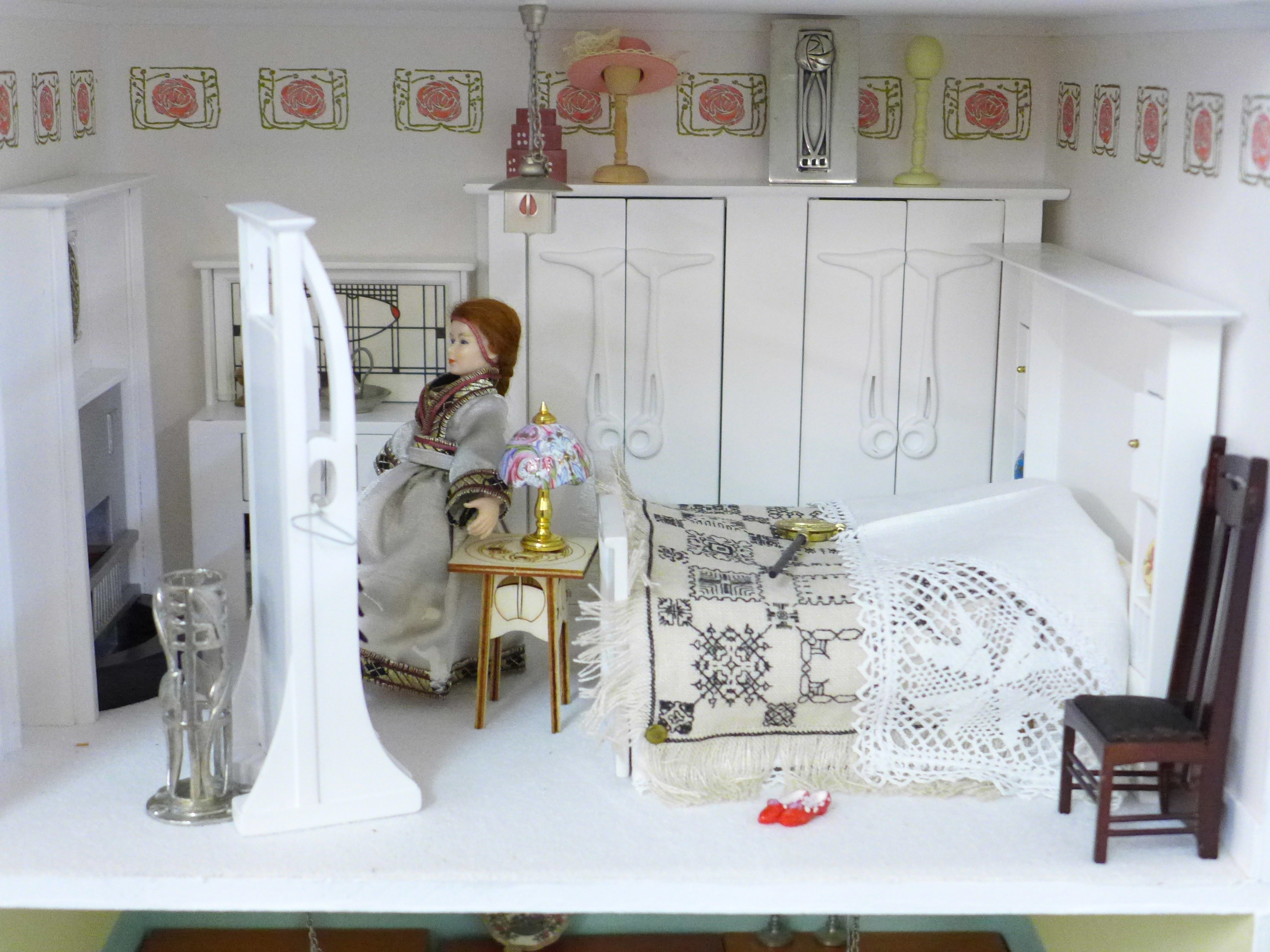 A Dolls House Emporiun Charles Rennie Makintosh-style Scottish House and Furniture. Assembled from a - Image 10 of 18