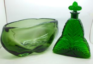 A large art glass vase and a green glass Bohemian decanter (inner rim and stopper chipped)