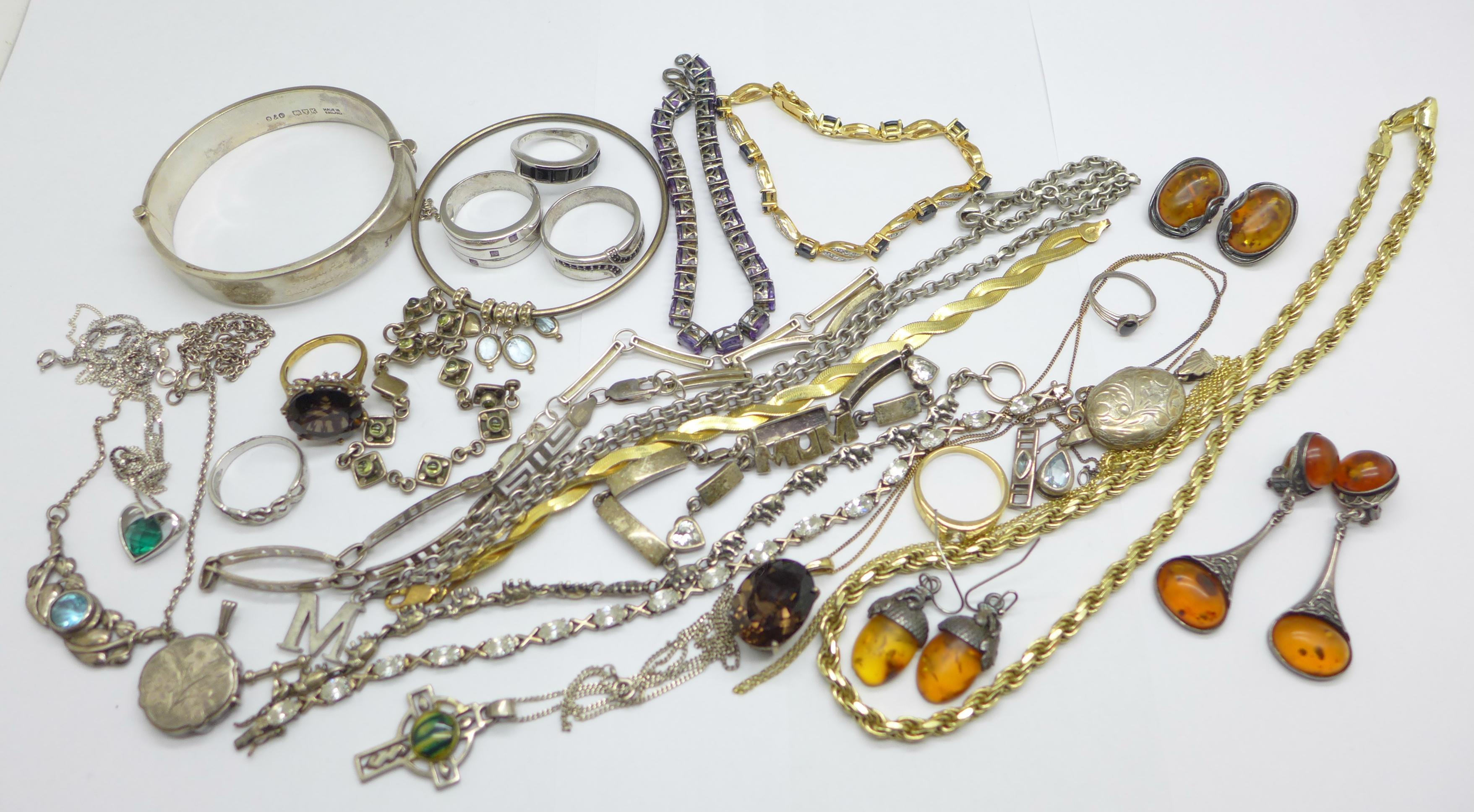 Silver jewellery including a hallmarked bangle, an elephant bracelet and a Thomas Sabo neck chain,