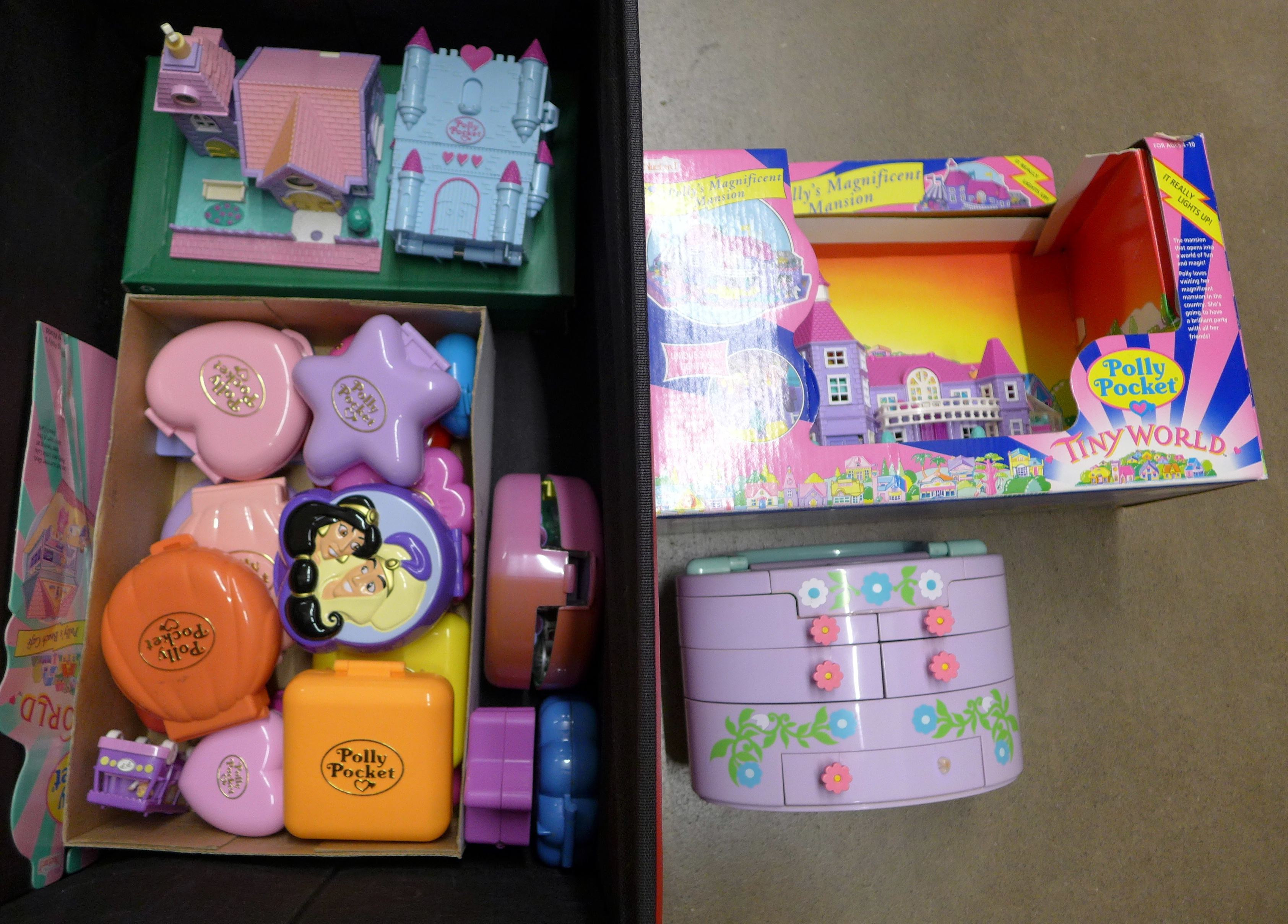 A collection of 1990's Polly Pocket set **PLEASE NOTE THIS LOT IS NOT ELIGIBLE FOR POSTING AND