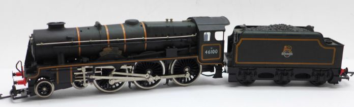 An Airfix OO gauge GMR 54121-6 locomotive and tender, boxed