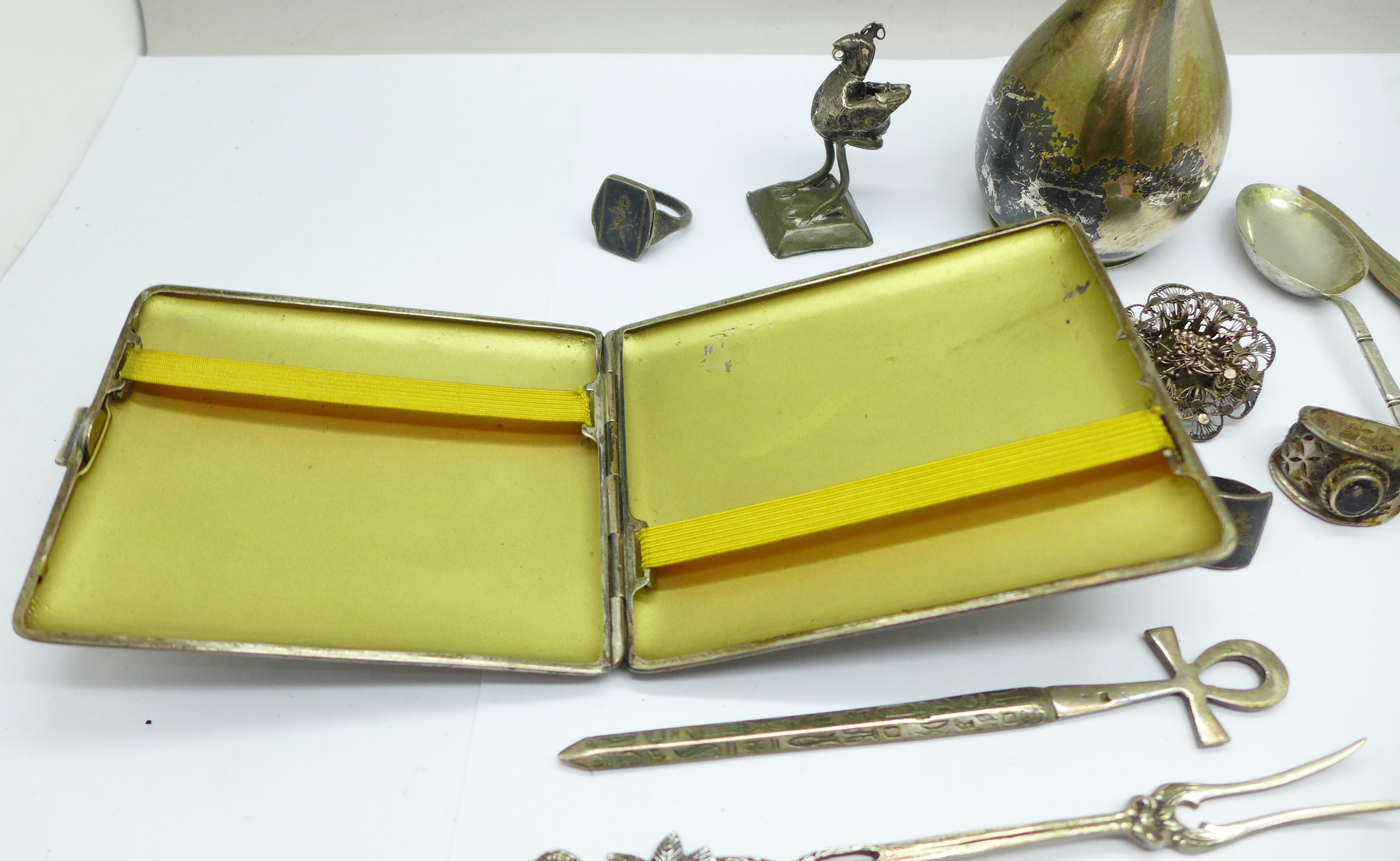 A collection of continental silver including a cigarette case, jug, rings, spoon, etc., 280g - Image 7 of 7