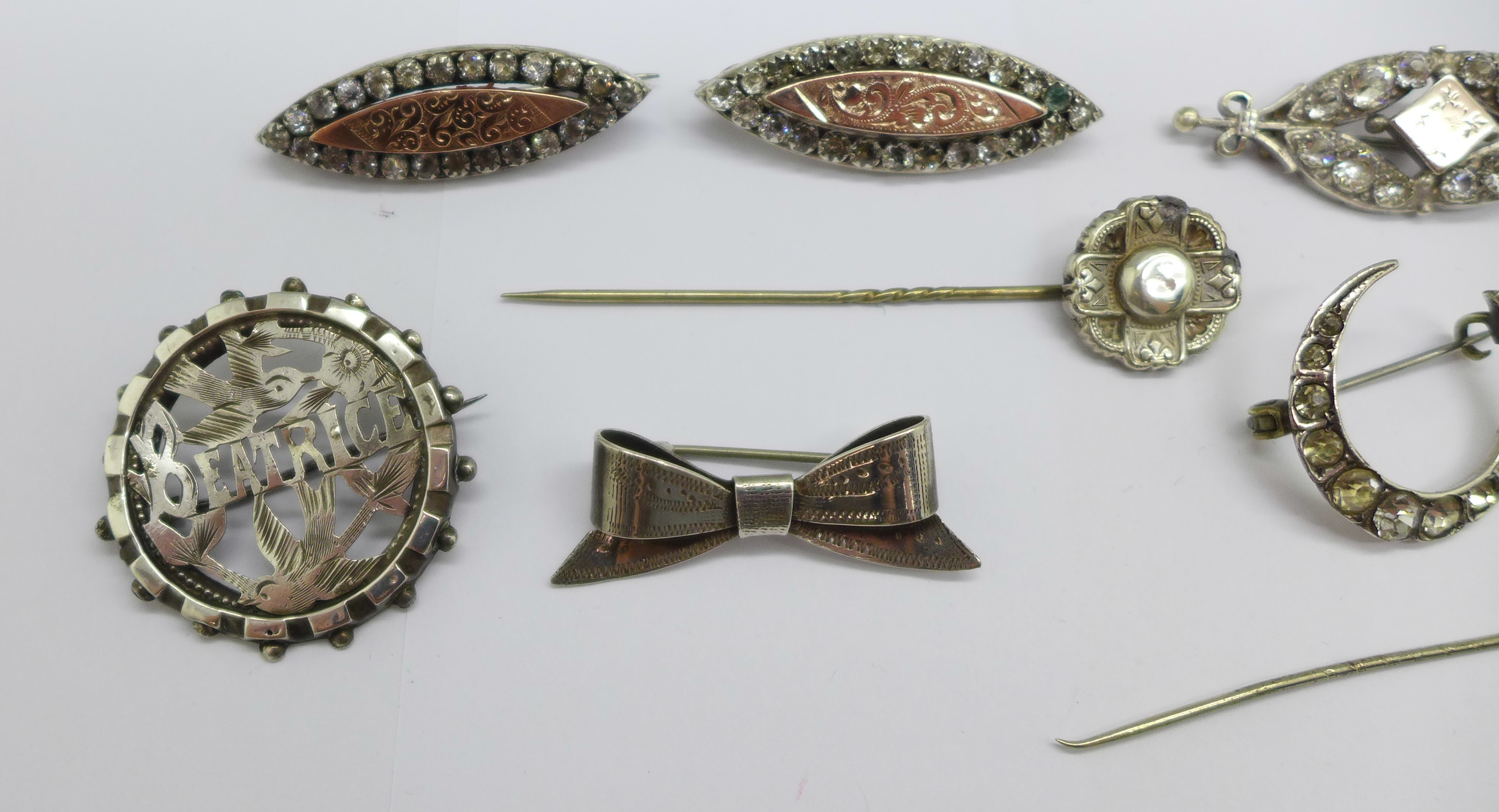 Two hallmarked Victorian silver and gilt fronted brooches, four other brooches, two stick pins and a - Image 4 of 4