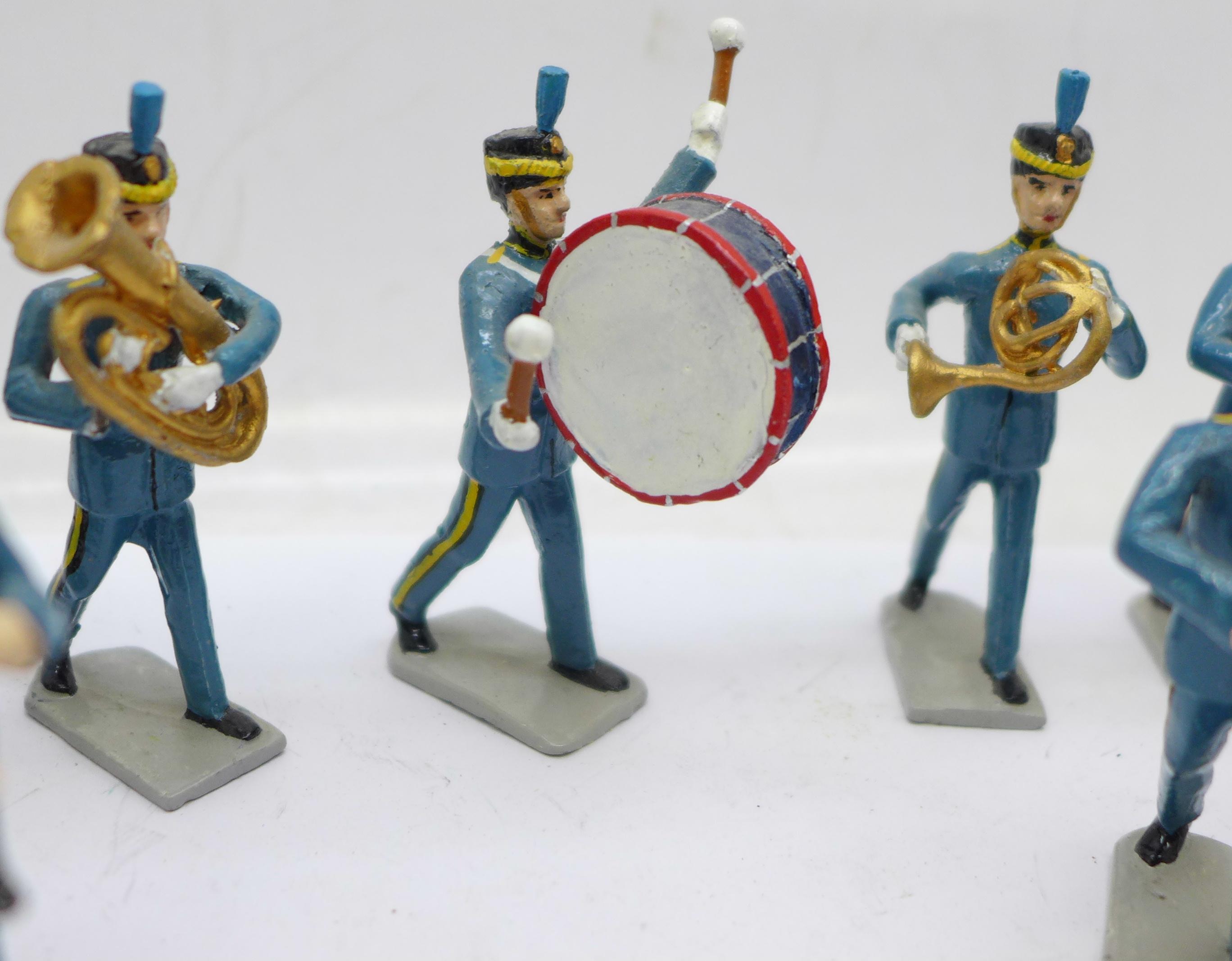Fifteen metal marching band figures - Image 3 of 5