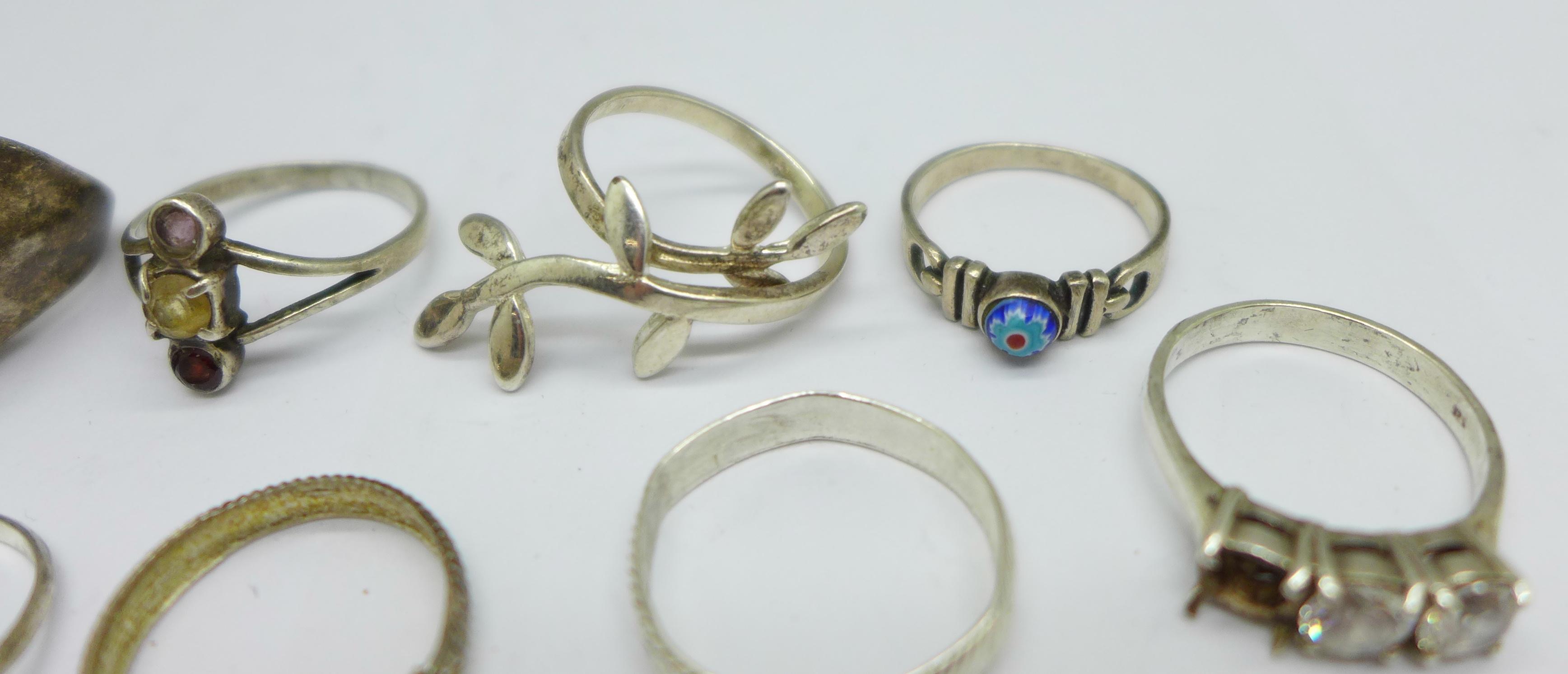 Ten silver rings, 28g - Image 5 of 5