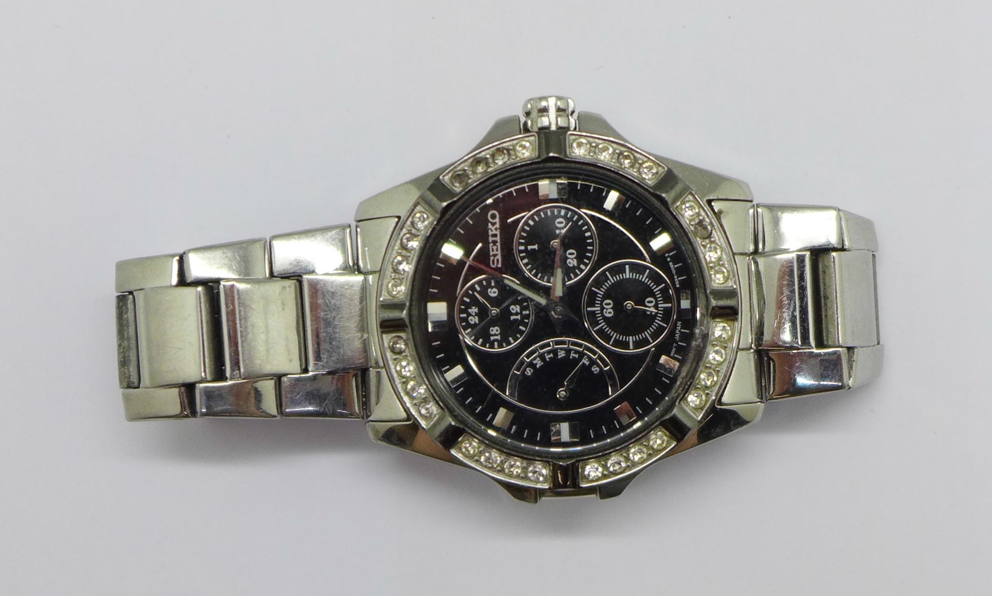 A Seiko multi dial wristwatch - Image 6 of 6