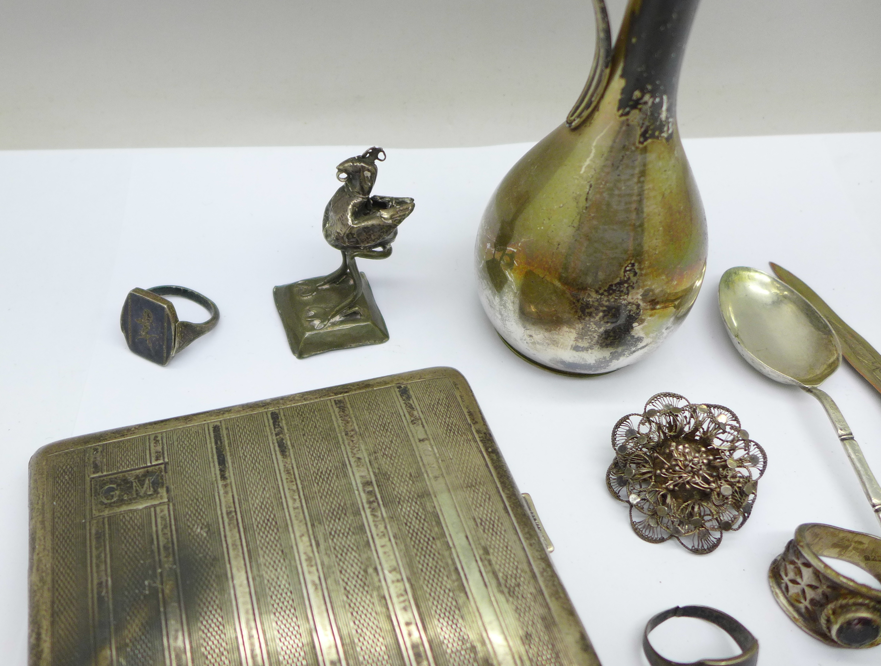 A collection of continental silver including a cigarette case, jug, rings, spoon, etc., 280g - Image 4 of 7