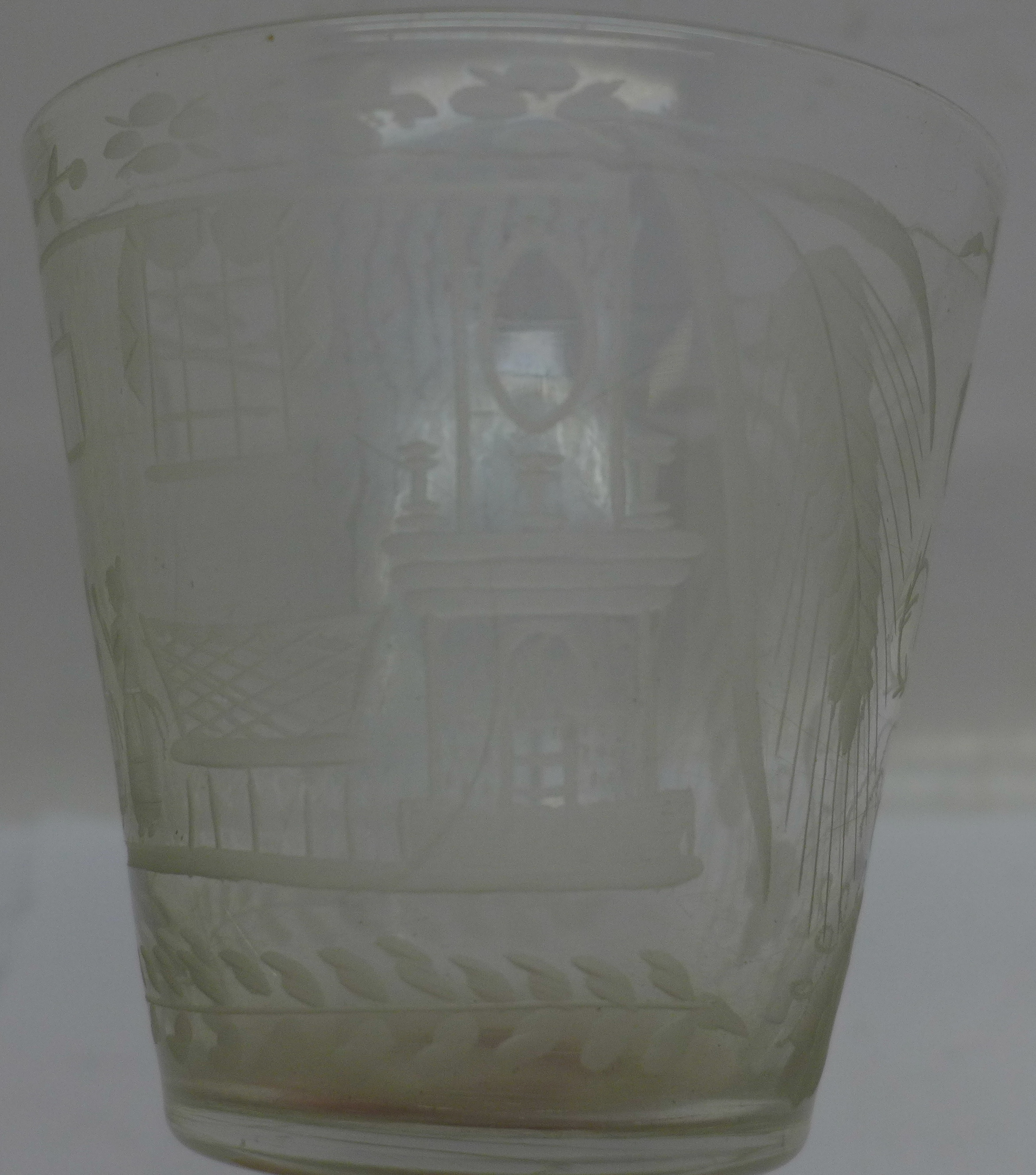 A 19th Century etched glass rummer, 133mm - Image 4 of 4