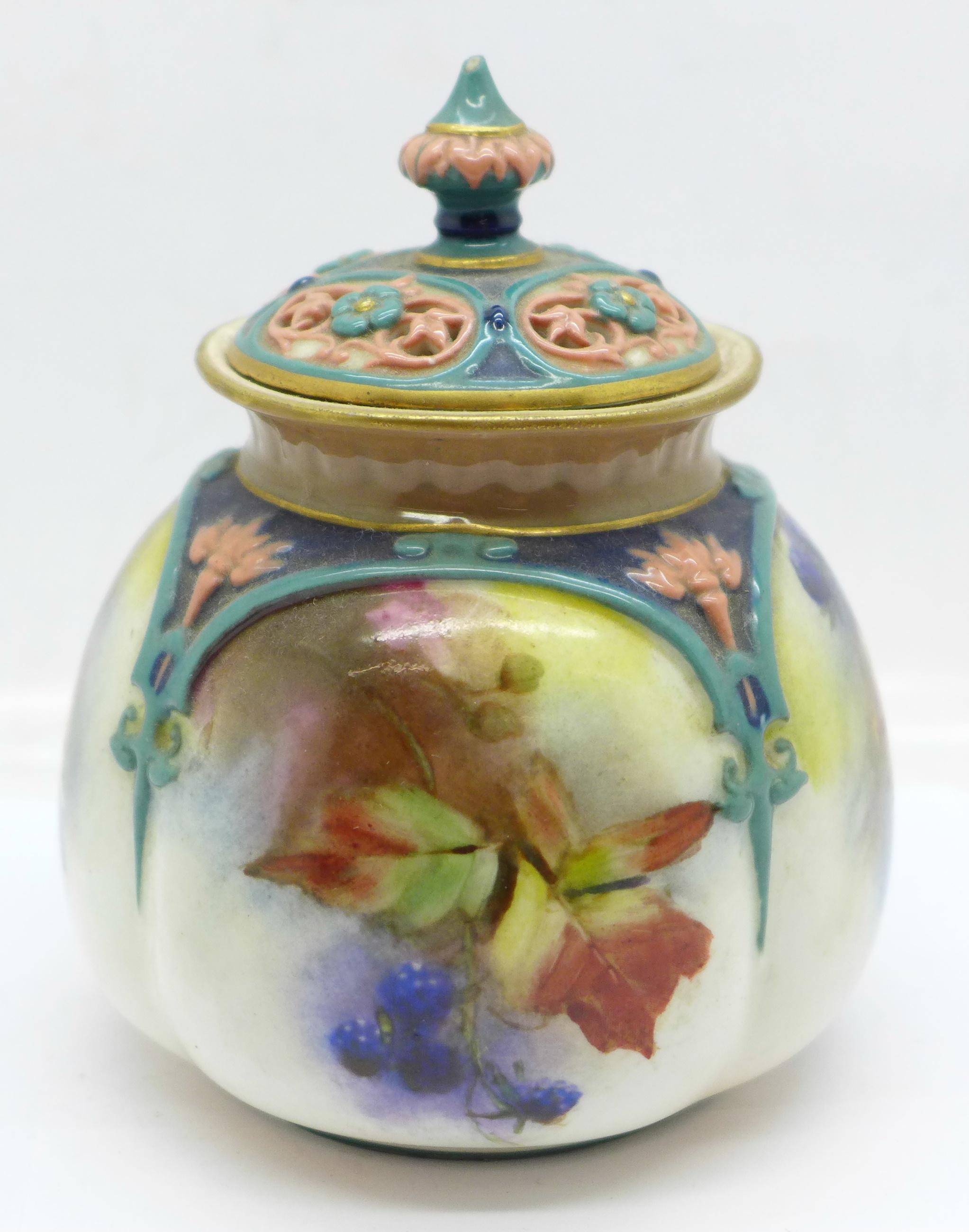 A Hadley's Worcester pot pourri