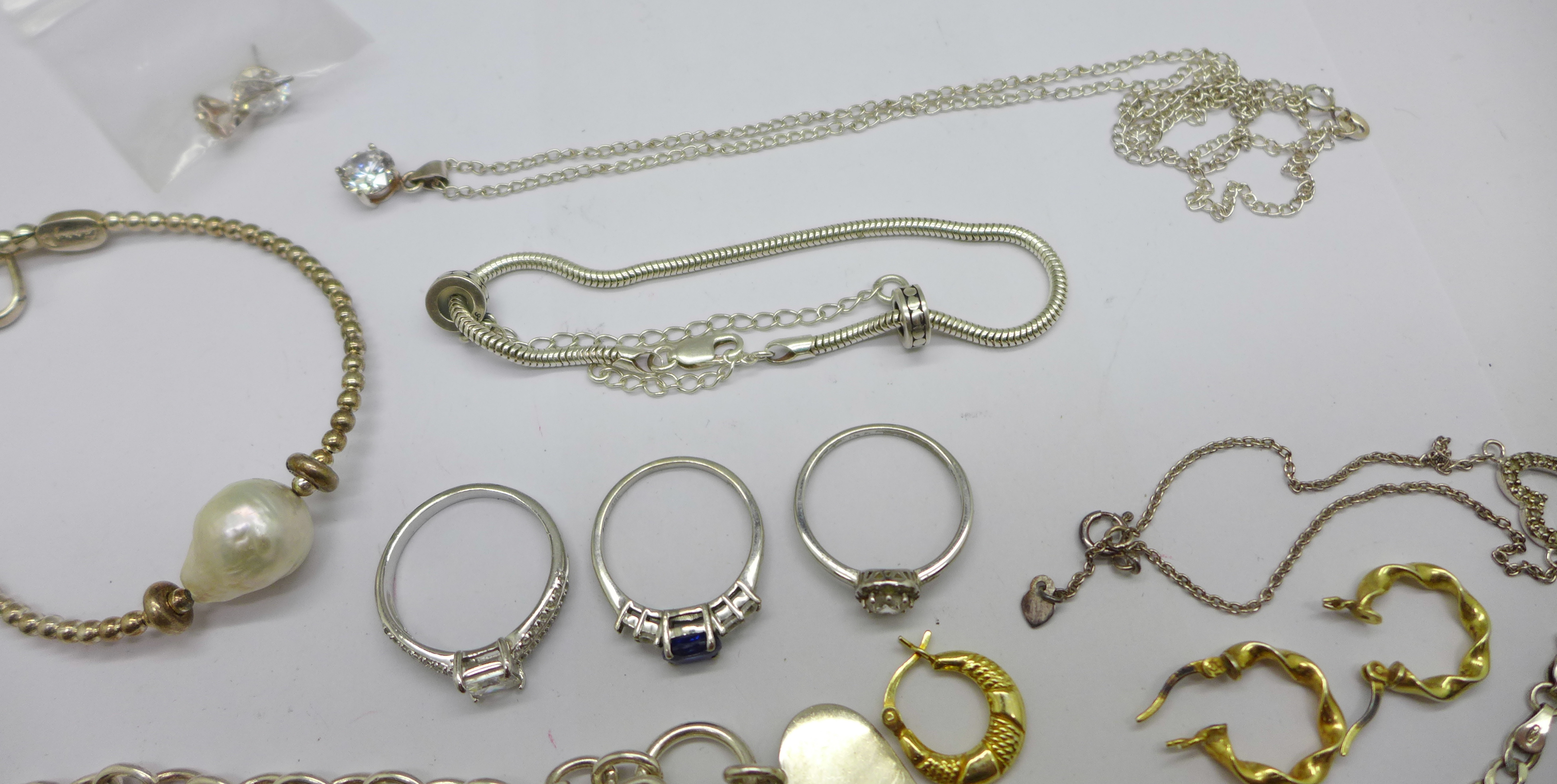 A collection of silver jewellery including bracelets, necklaces and earrings, etc., 80g - Image 3 of 3