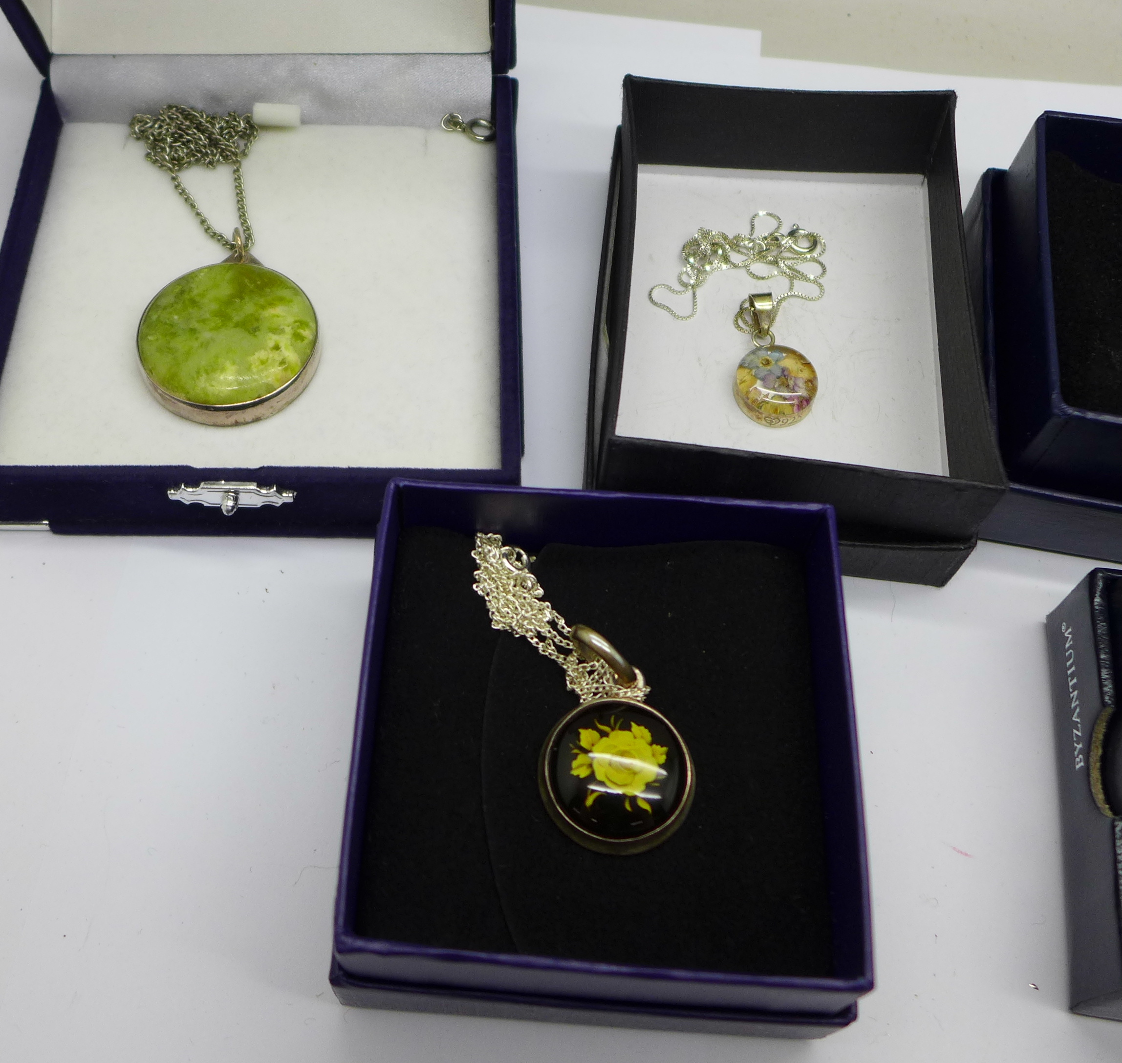 Seven items of silver jewellery, boxed - Image 3 of 4