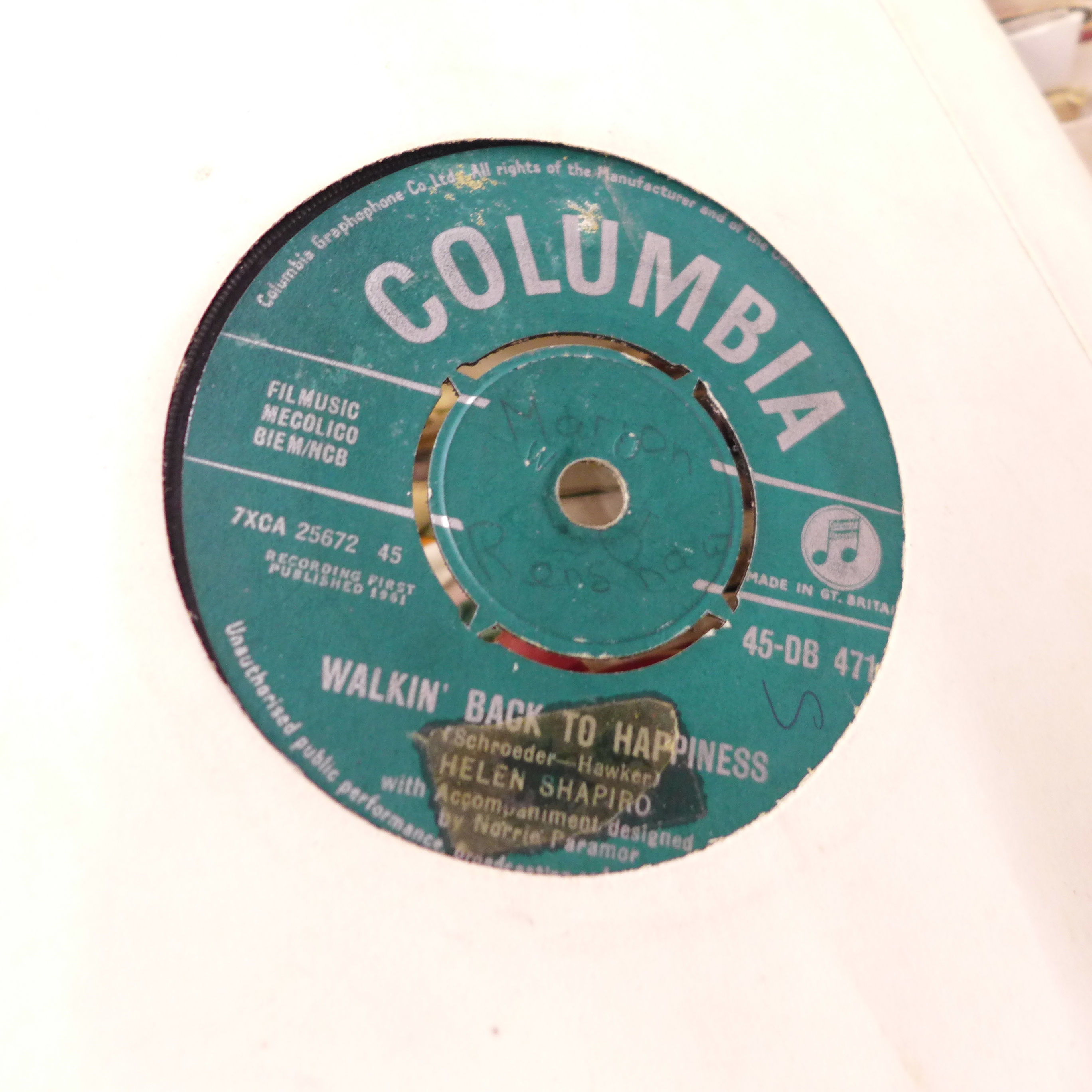 """A collection of 1960's - 1980's 7"""" vinyl records - Image 2 of 3"""
