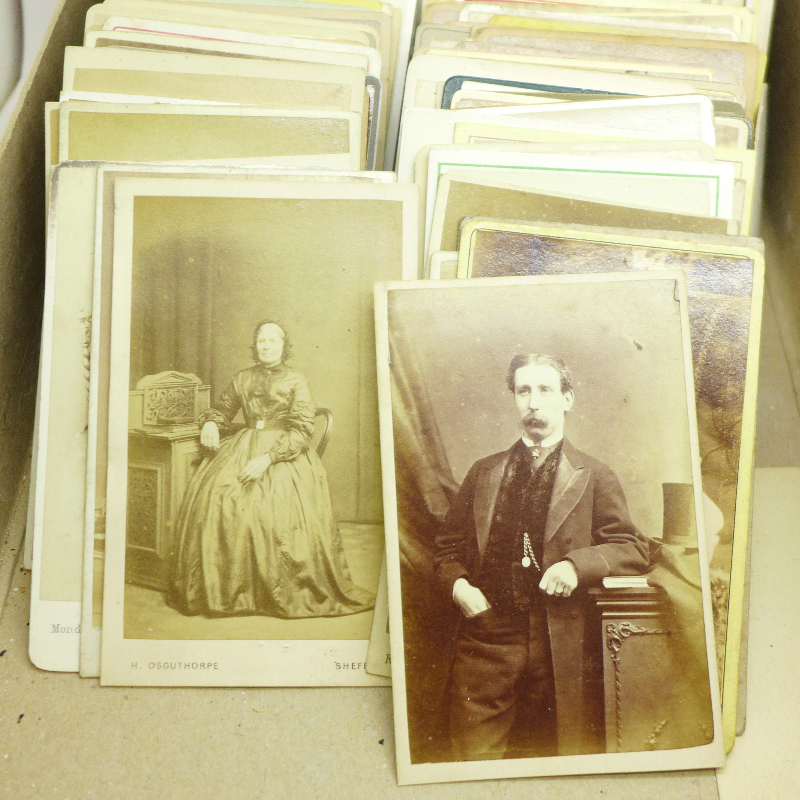 A box of over 200 Victorian carte de visite and a photograph in case - Image 5 of 5