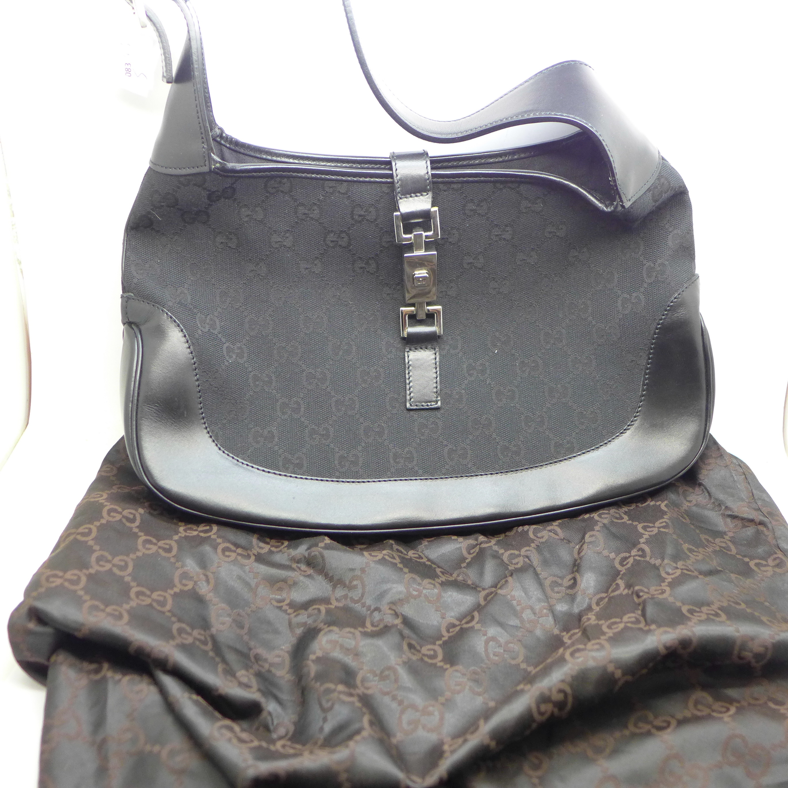 A lady's Gucci handbag