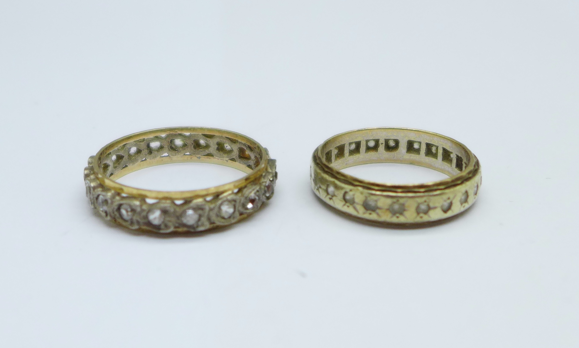 Two 9ct gold and silver rings, L and R, 5.6g