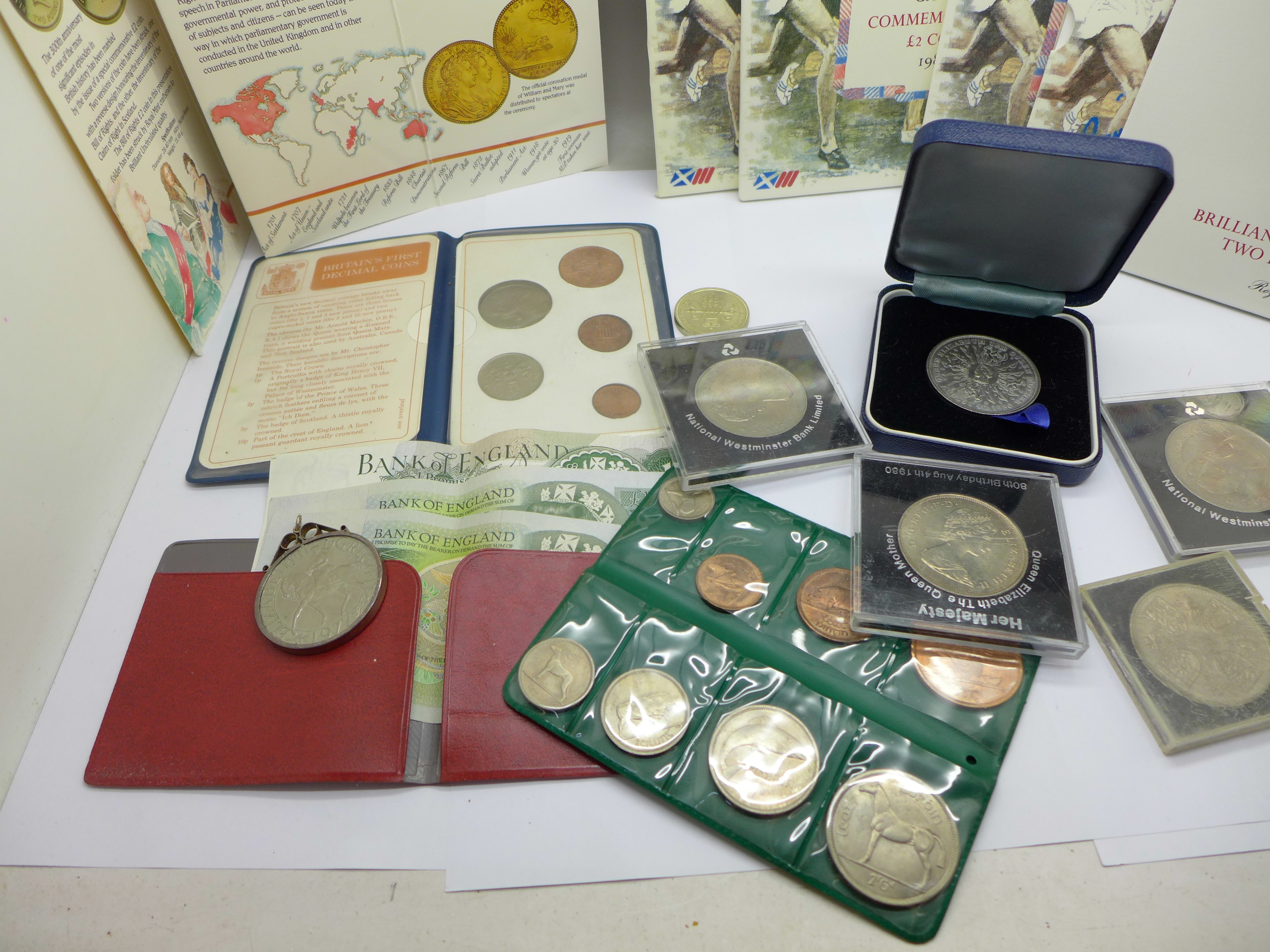 Four £2 commemorative coins from the 1986 Commonwealth Games, a collection of other commemorative - Image 4 of 5